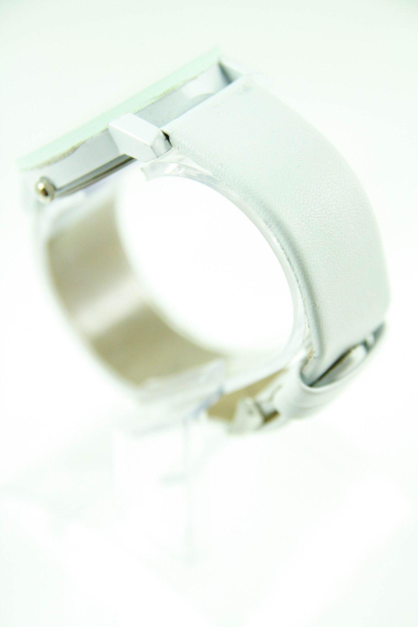 Biały zegarek damski z cyrkoniami na skórzanym pasku                                  zdj.                                  3