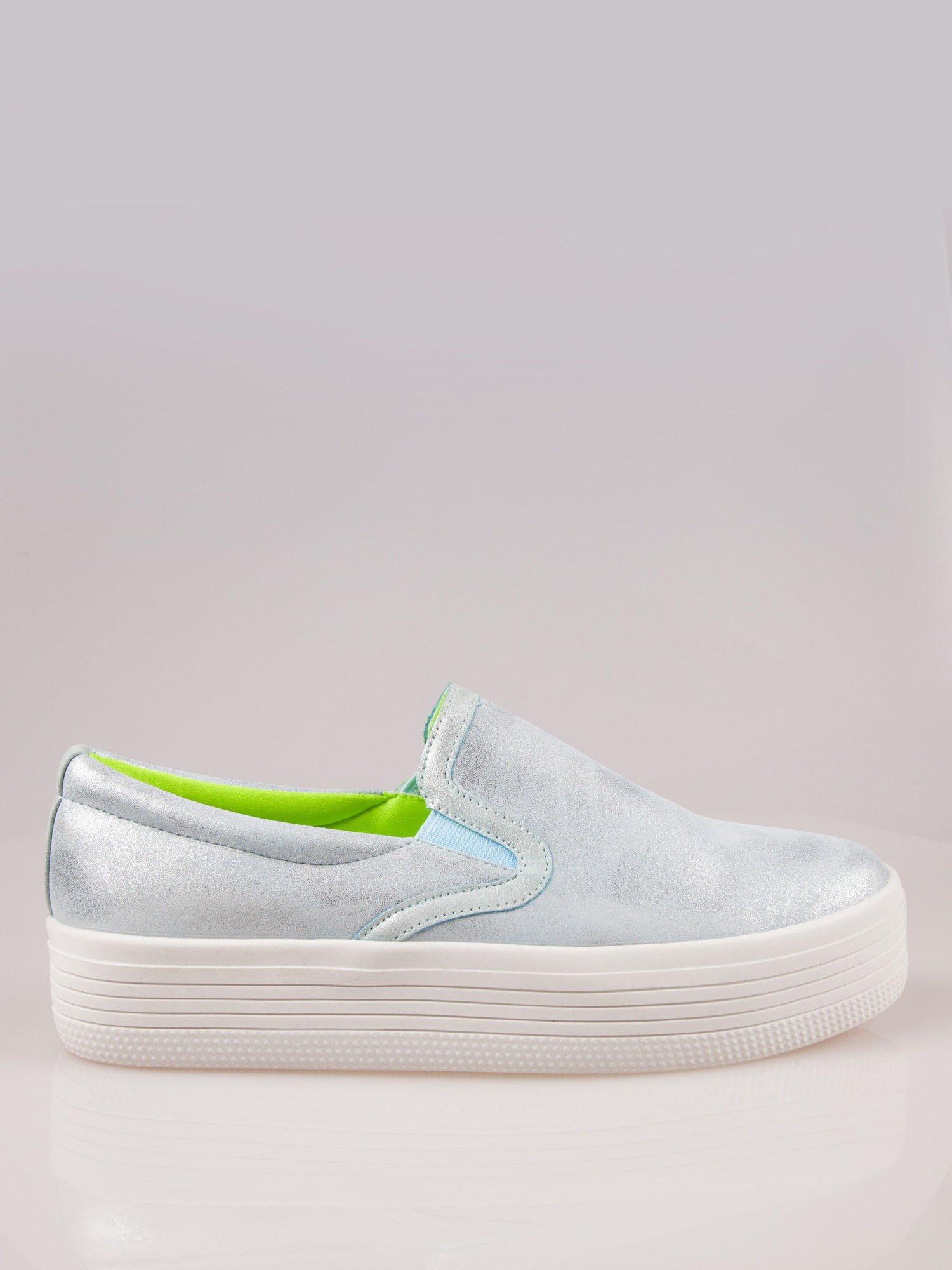 Błękitne metaliczne buty slip on na grubej podeszwie                                  zdj.                                  1