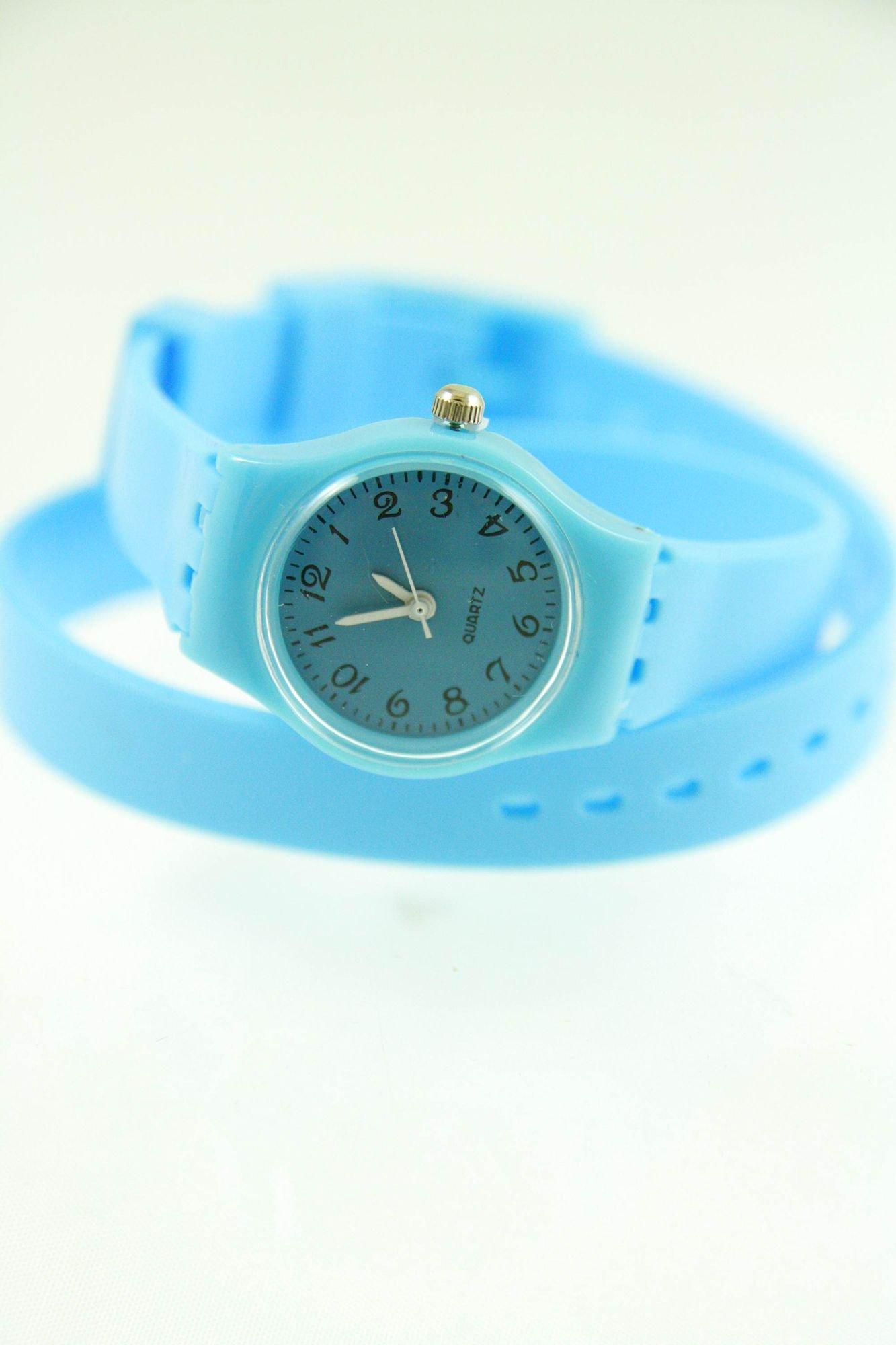 Błękitny zegarek damski na silikonowym pasku                                  zdj.                                  1