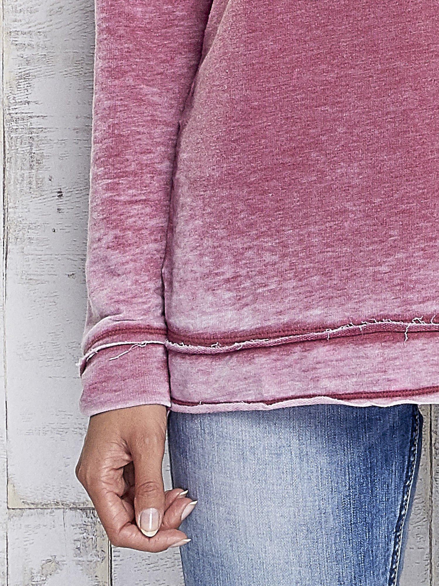 Bordowa dekatyzowana bluza z surowym wykończeniem                                  zdj.                                  7