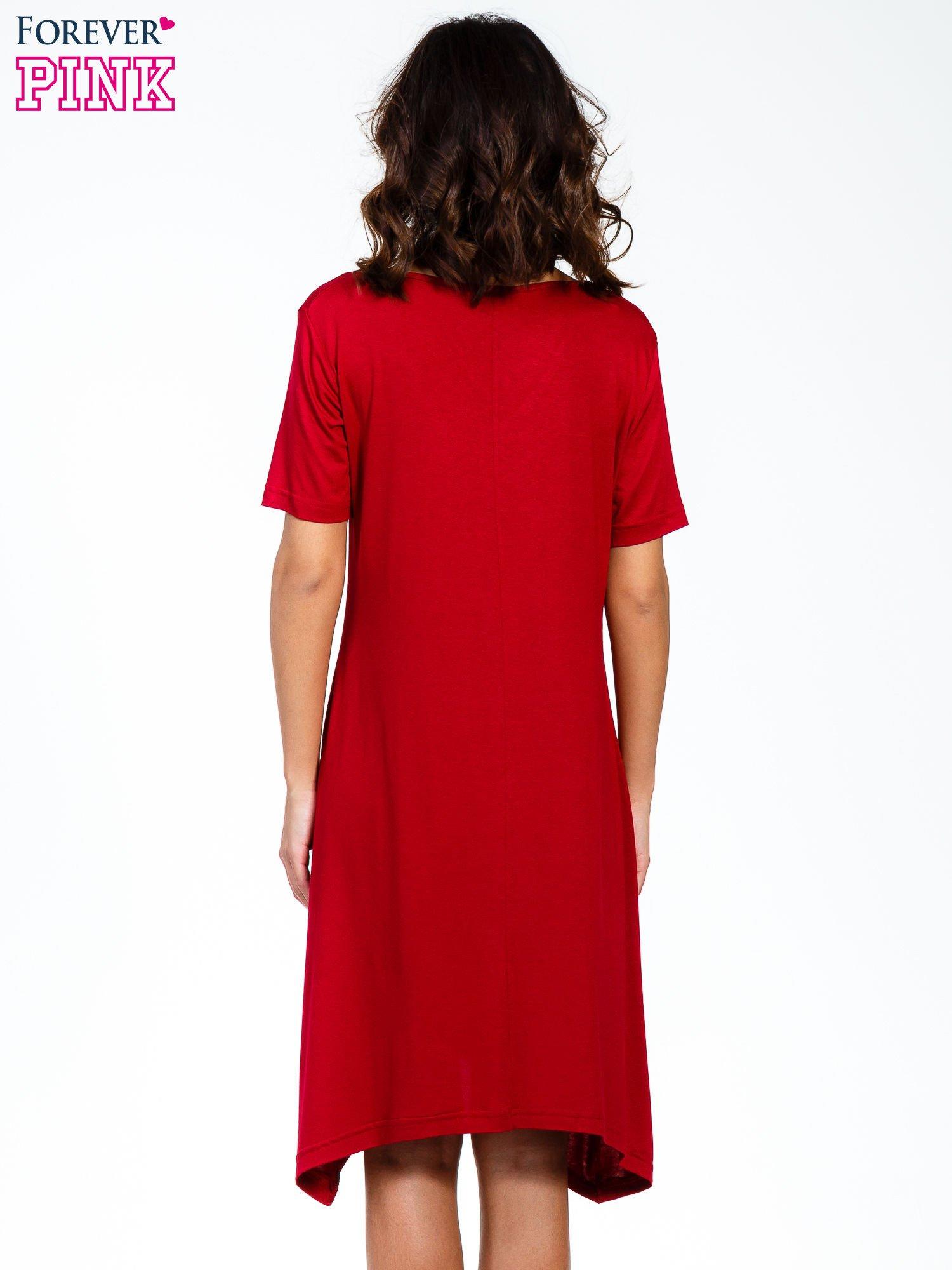 Bordowa luźna sukienka z asymetrycznym dołem                                  zdj.                                  4