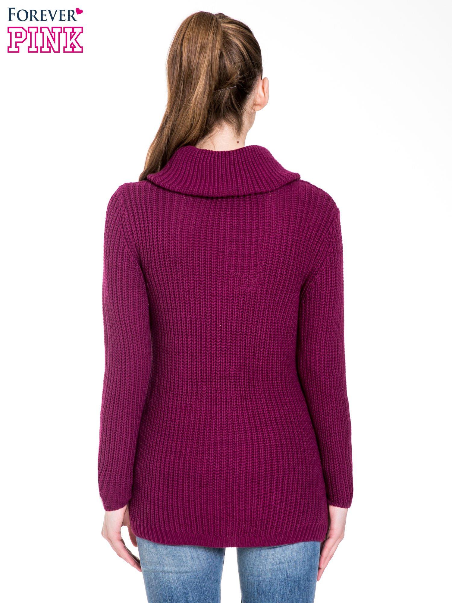 Bordowy ciepły sweter z golfowym kołnierzem                                  zdj.                                  4