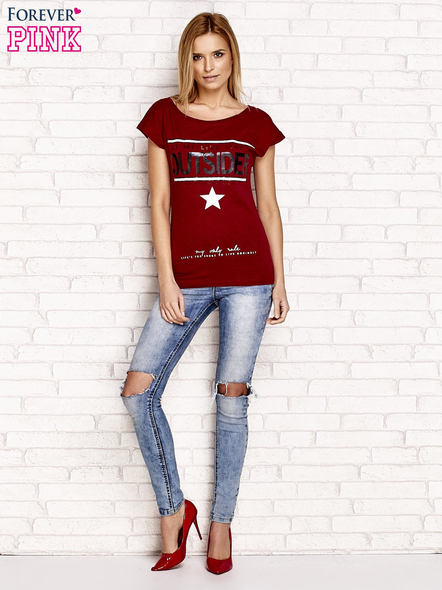 Bordowy t-shirt z napisem LET ME LIVE LIKE AN OUTSIDER                                  zdj.                                  4