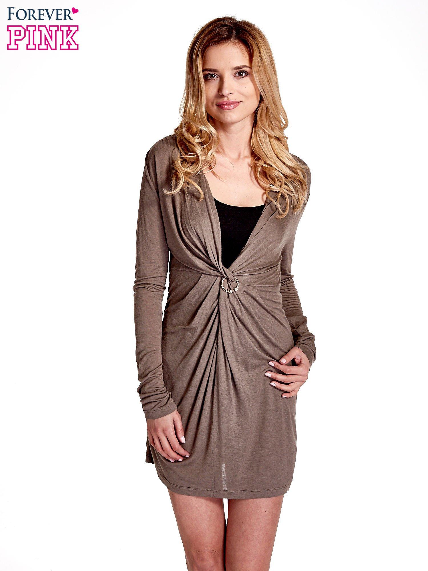 Brązowa drapowana sukienka                                   zdj.                                  1