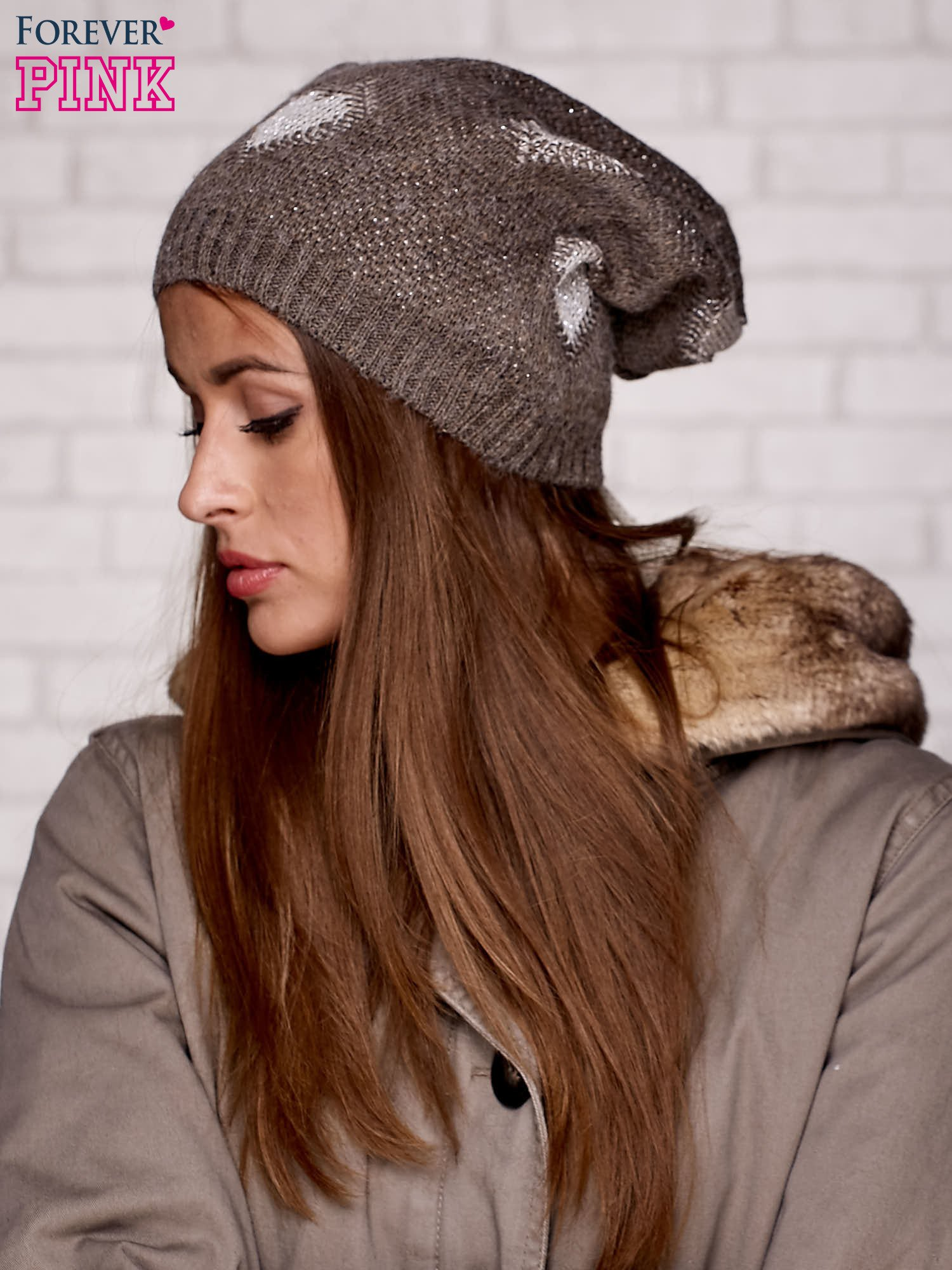 Brązowa dzianinowa czapka z serduszkami                                  zdj.                                  3
