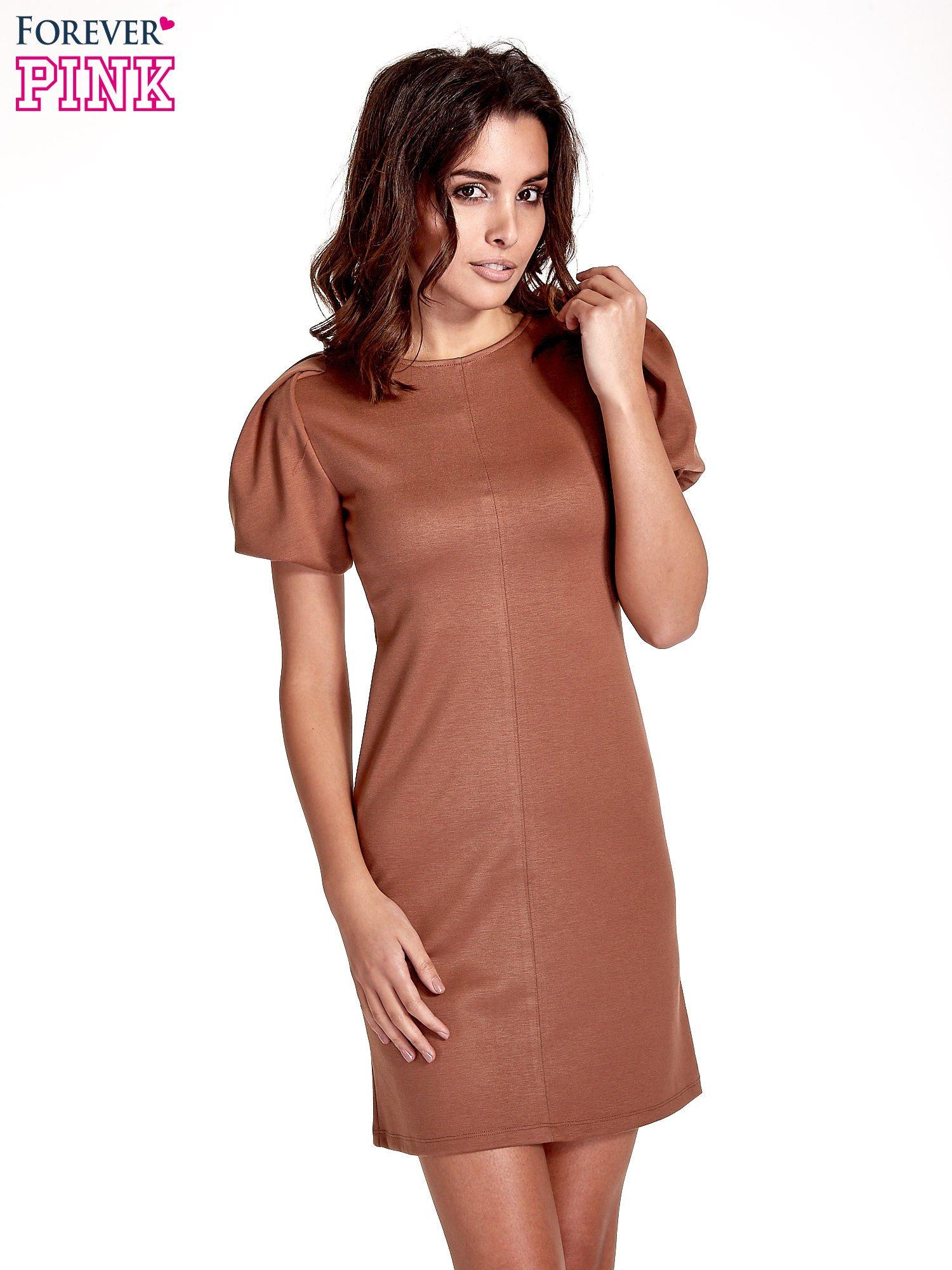Brązowa gładka sukienka z bufiastymi rękawami                                  zdj.                                  1