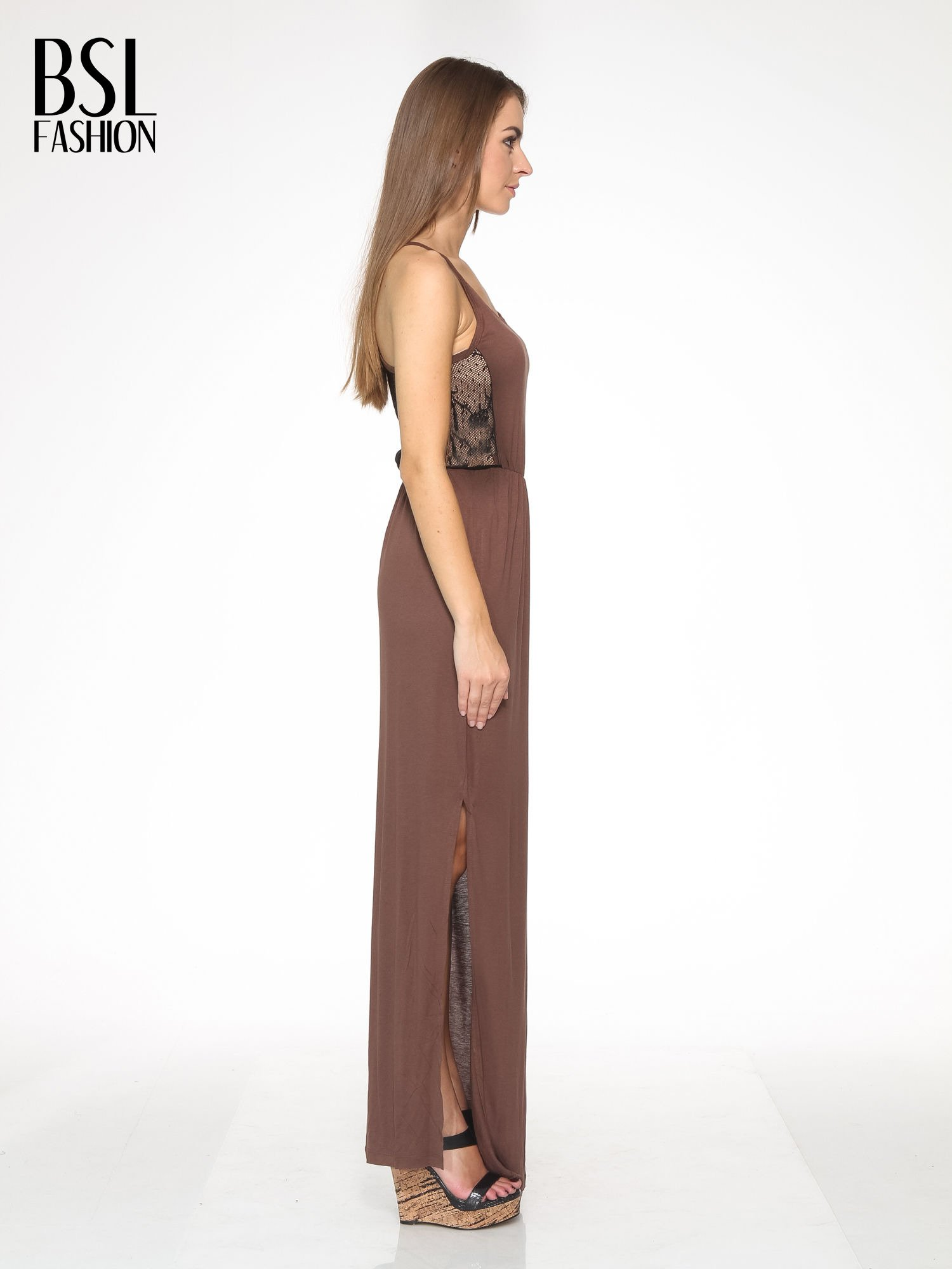 Brązowa sukienka maxi na ramiączkach z koronkowym tyłem                                  zdj.                                  3