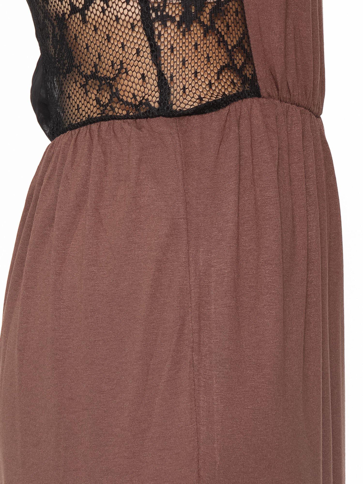 Brązowa sukienka maxi na ramiączkach z koronkowym tyłem                                  zdj.                                  8