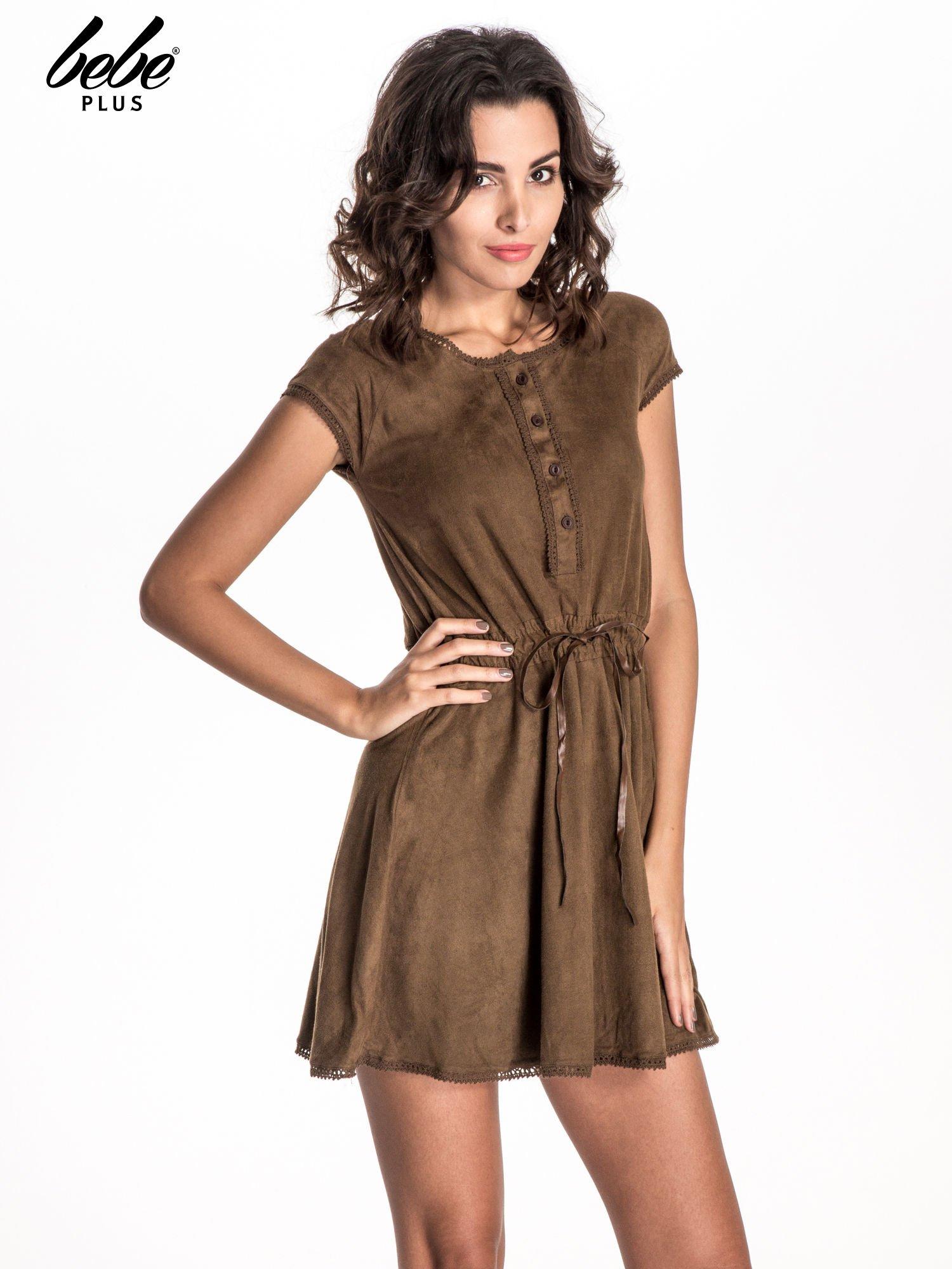 Brązowa sukienka z zamszu w stylu boho                                  zdj.                                  1