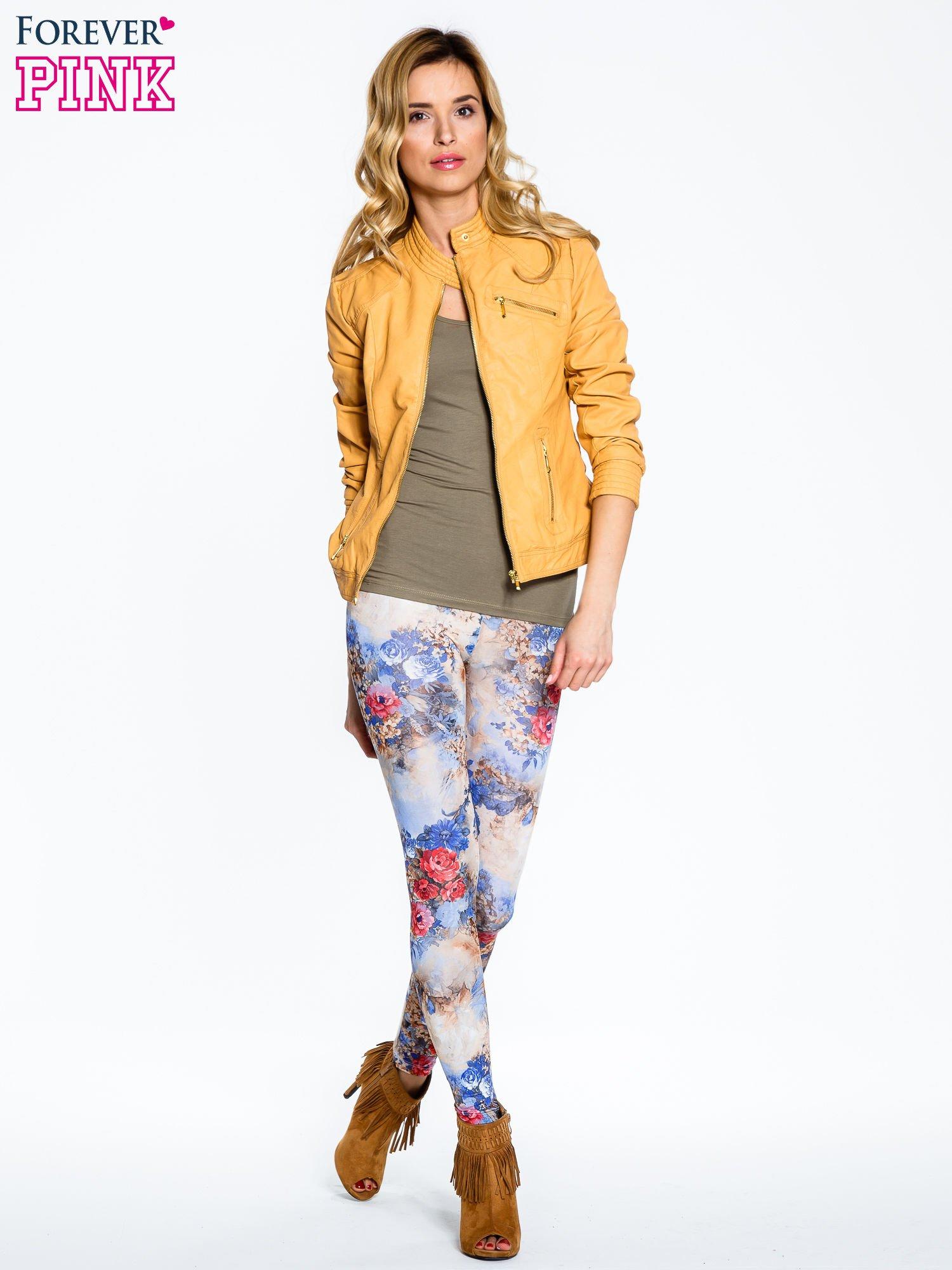 Brązowe legginsy z nadrukiem w kolorowe kwiaty                                  zdj.                                  7