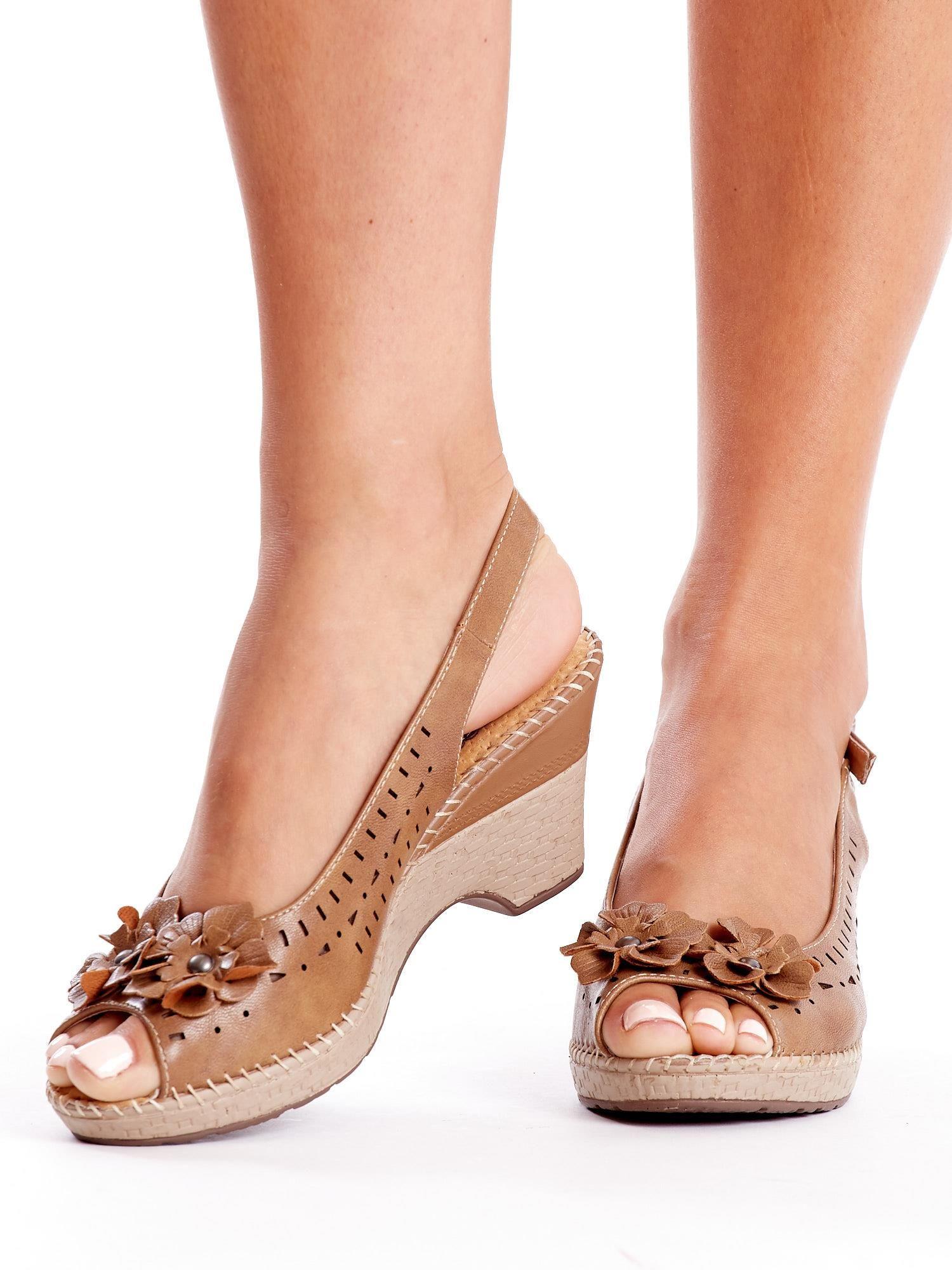 add71cae7fc80 Brązowe sandały na koturnie - Buty Sandały na koturnie - sklep eButik.pl