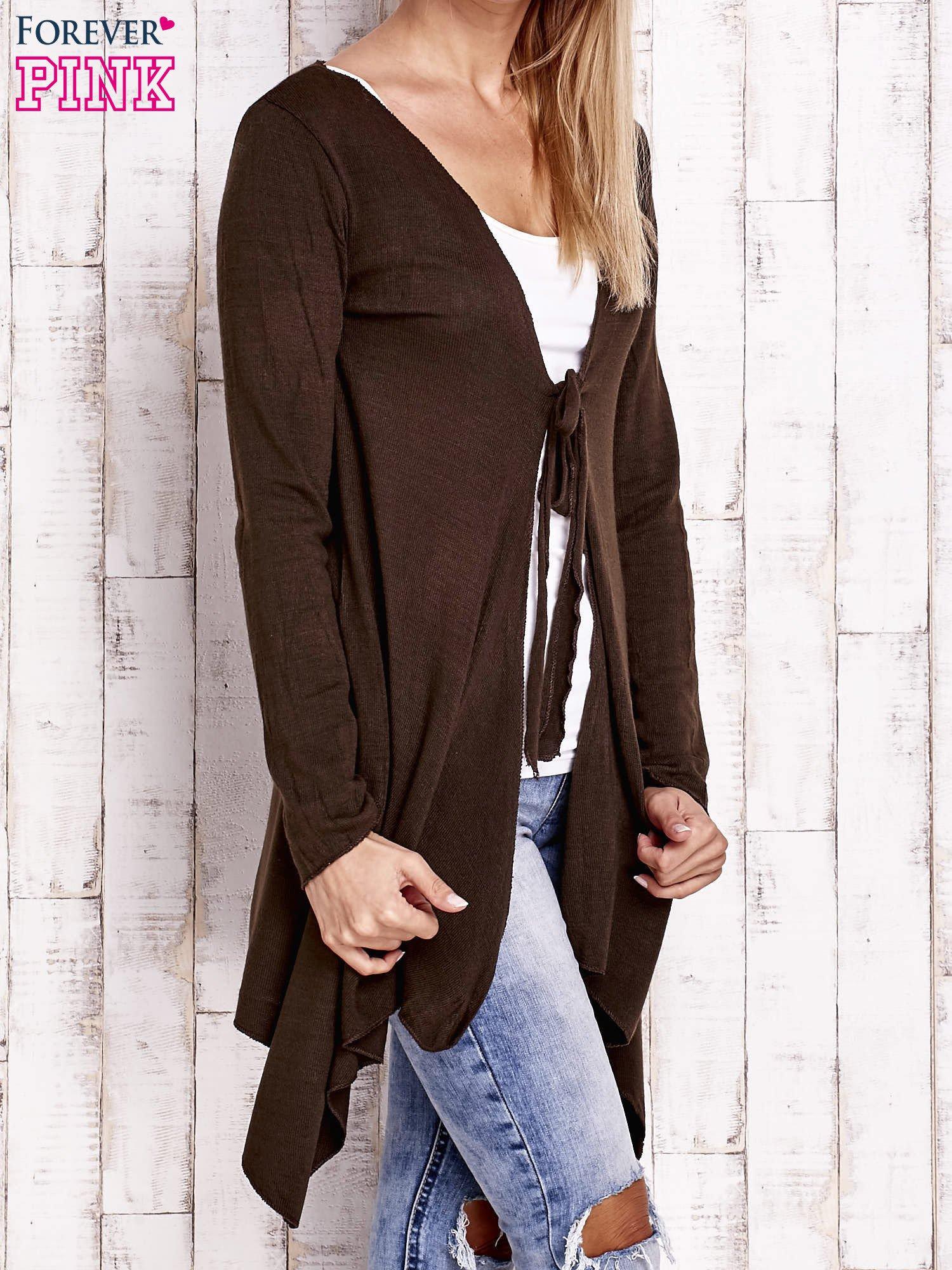 Brązowy wiązany asymetryczny sweter                                  zdj.                                  3