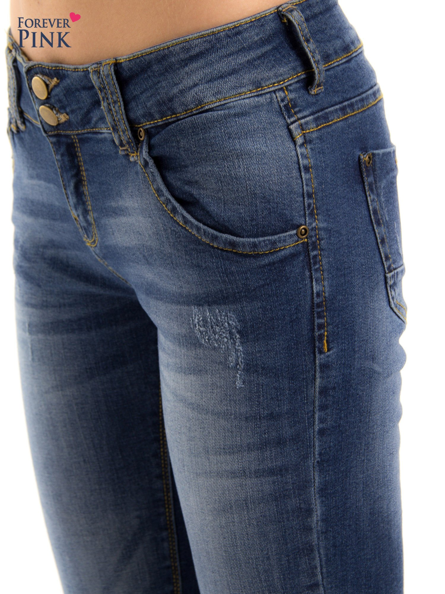 Ciemnieniebieskie jeansy biodrówki na dwa guziki                                  zdj.                                  6