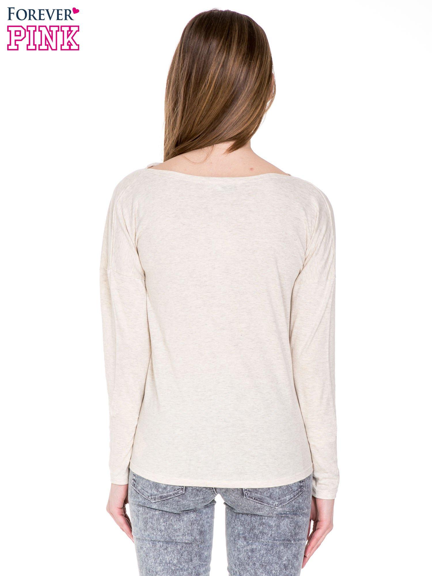 Ciemnobeżowa bawełniana bluzka z dekoltem typu woda                                  zdj.                                  4