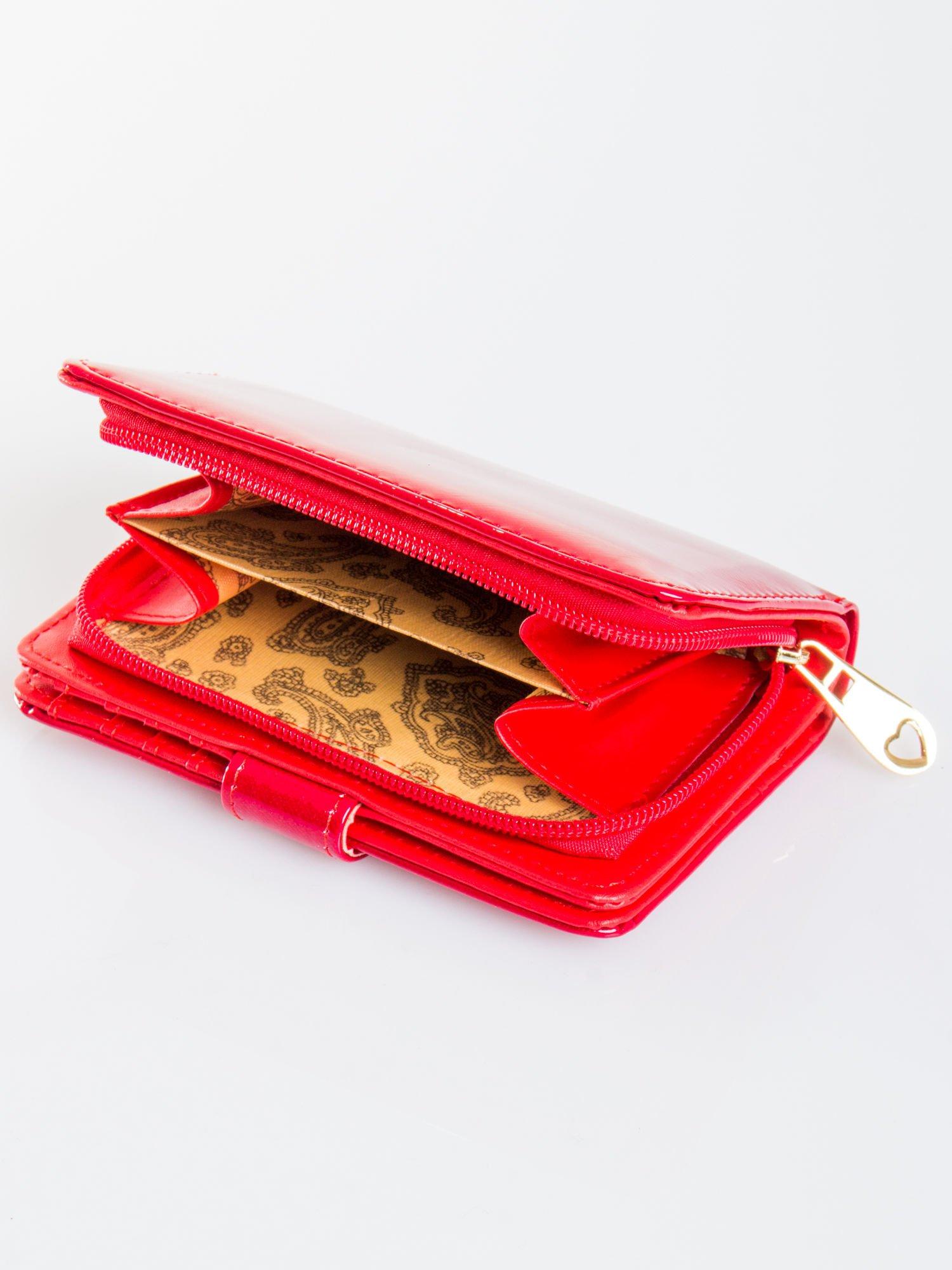 Ciemnoczerwony portfel efekt skóry saffiano                                  zdj.                                  4