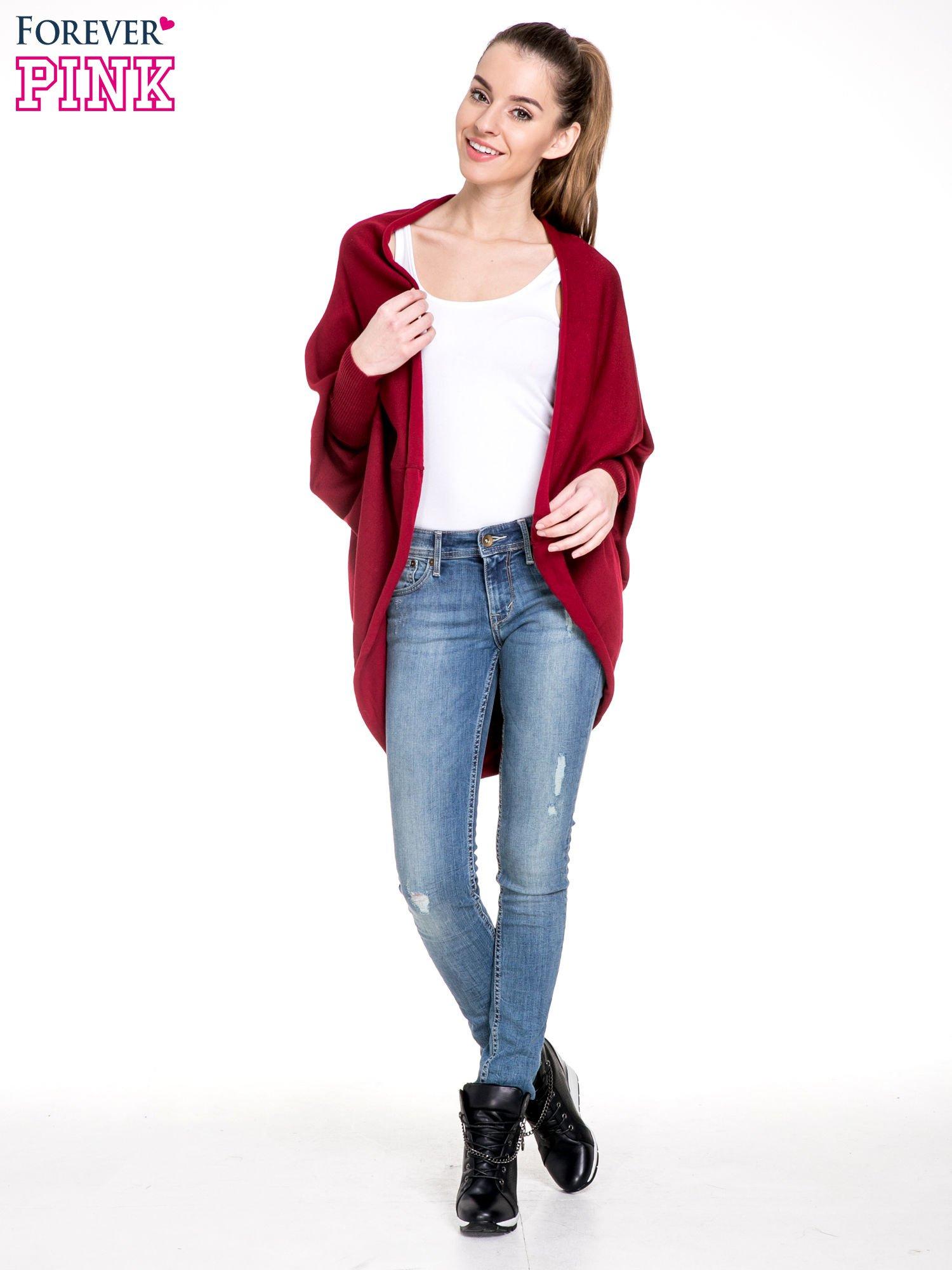 Ciemnoczerwony sweter narzutka z nietoperzowymi rękawami                                  zdj.                                  2
