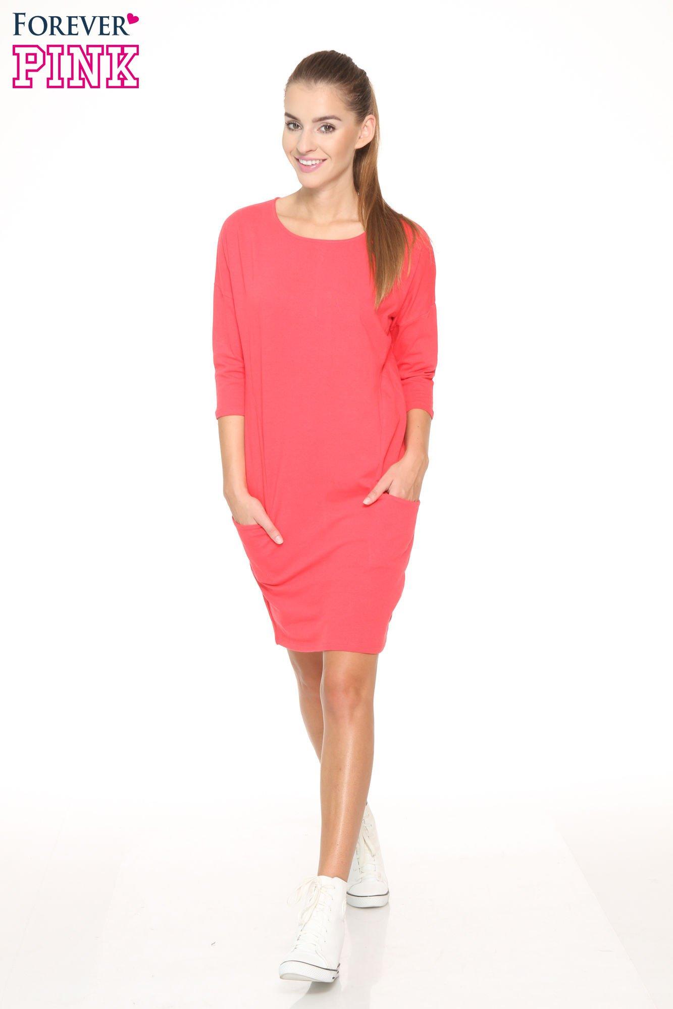 Ciemnokoralowa sukienka dresowa z kieszeniami                                  zdj.                                  2