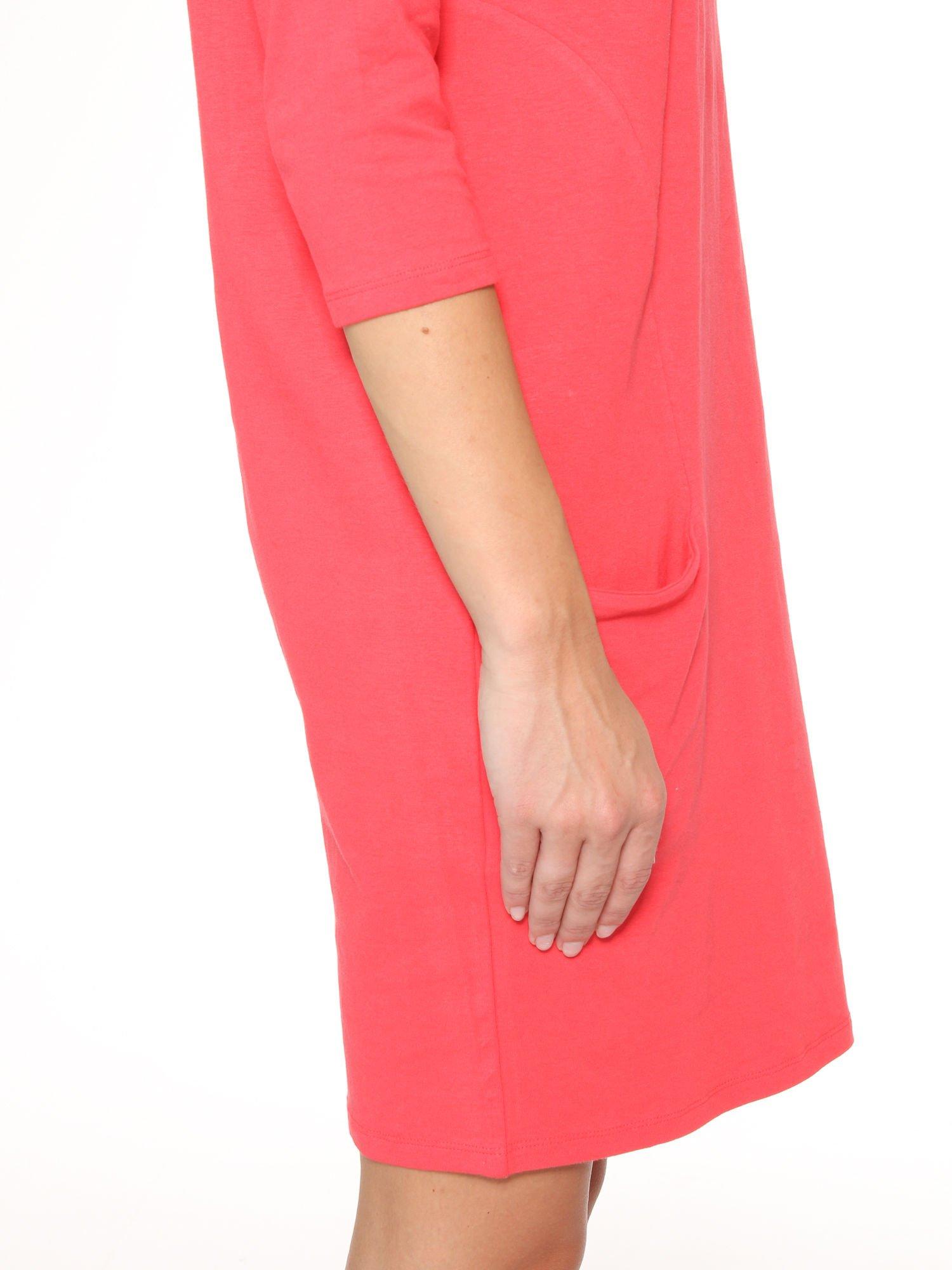 Ciemnokoralowa sukienka dresowa z kieszeniami                                  zdj.                                  9