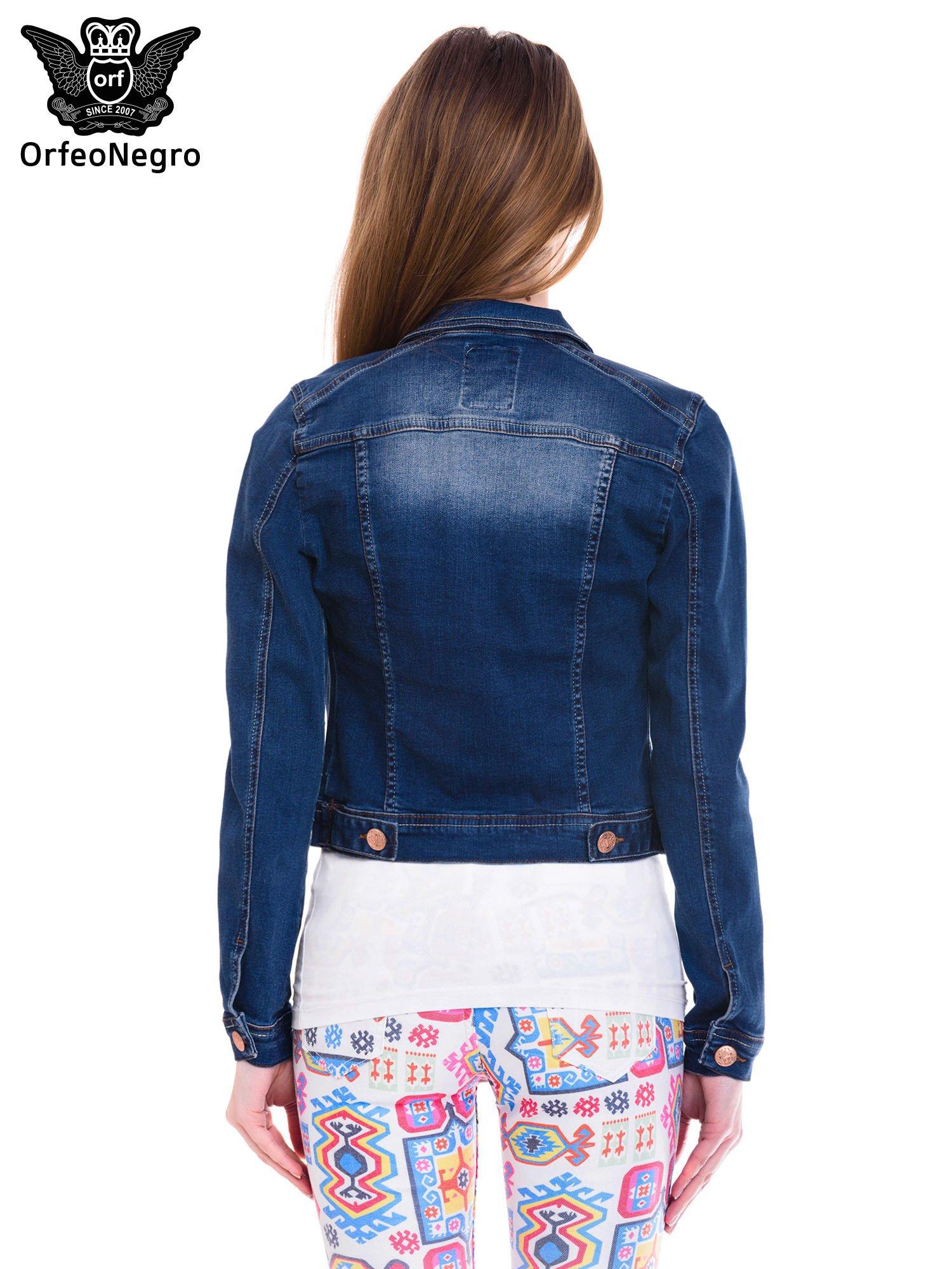 Ciemnoniebieska kurtka jeansowa damska z cieniowaniem i przetarciami                                  zdj.                                  4