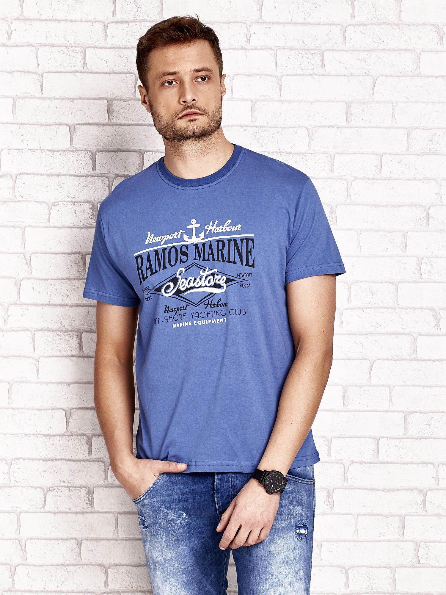 Ciemnoniebieski t-shirt męski z napisami i kotwicą                                  zdj.                                  1