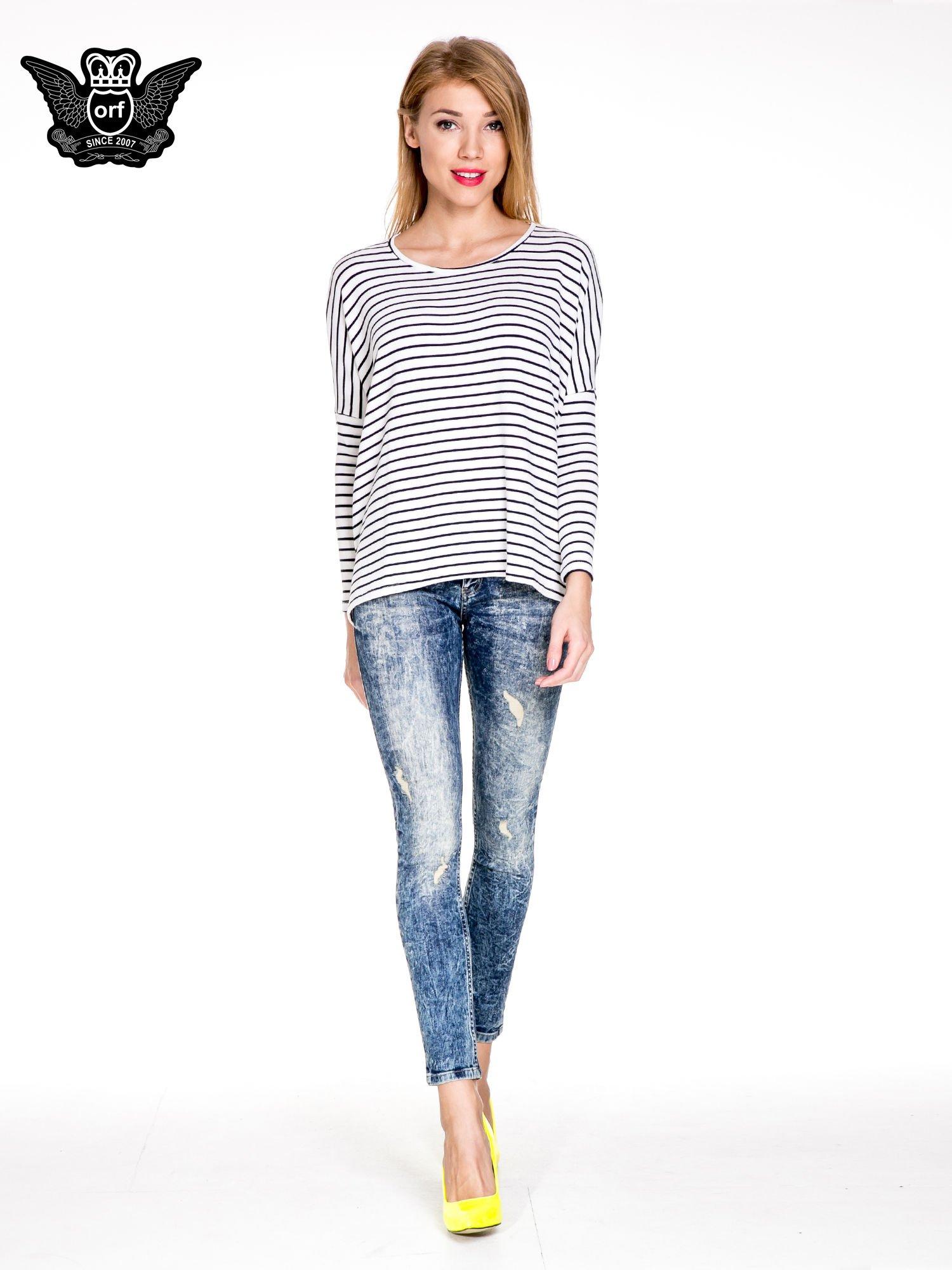 Ciemnoniebieskie spodnie jeansowe rurki marmurki z przetarciami                                  zdj.                                  2