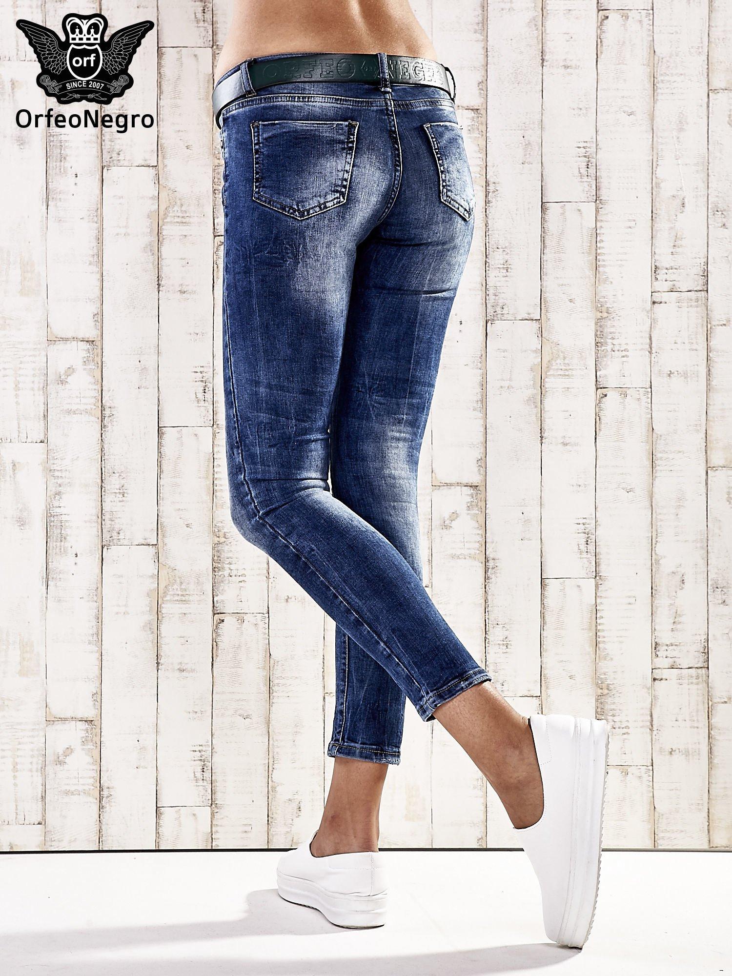 Ciemnoniebieskie spodnie skinny jeans z paskiem                                  zdj.                                  3