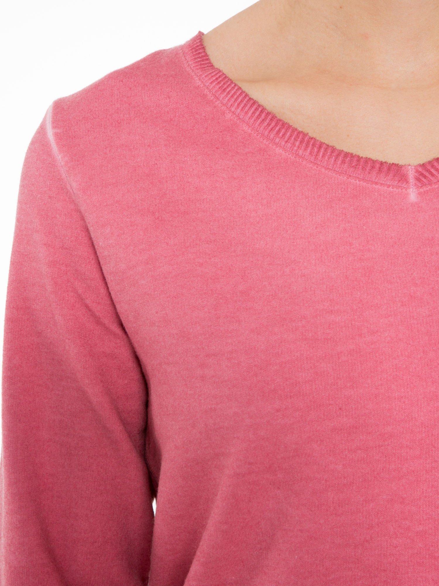 Ciemnoróżowa dresowa sukienkotunika z zaokrąglonym dołem                                  zdj.                                  5