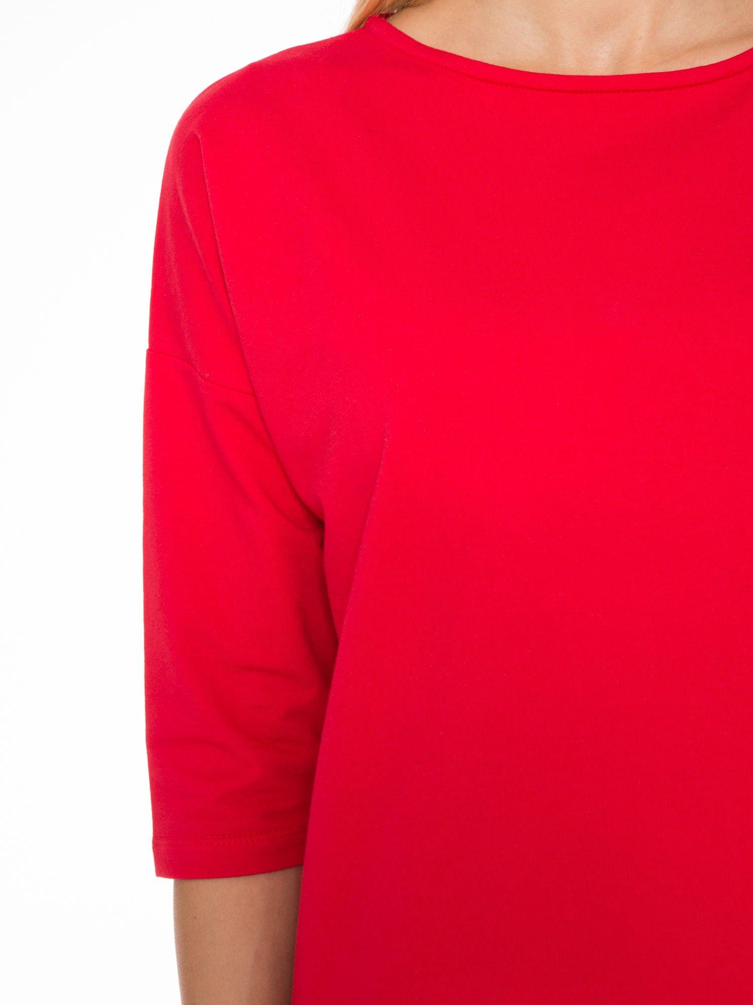 Ciemnoróżowa prosta sukienka z zamkiem z tyłu                                  zdj.                                  5