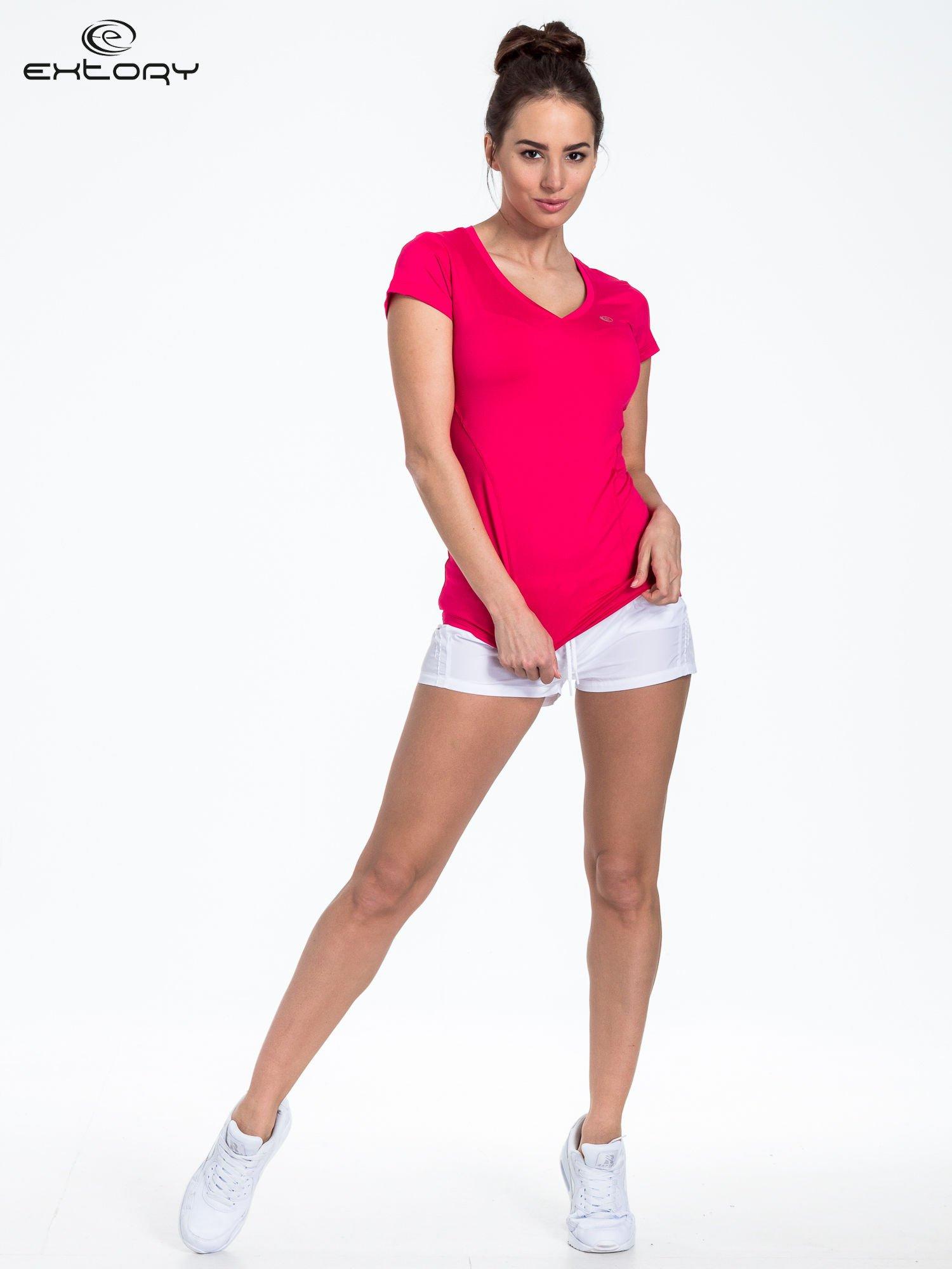 Ciemnoróżowy t-shirt sportowy termoaktywny z dekoltem V                                  zdj.                                  2