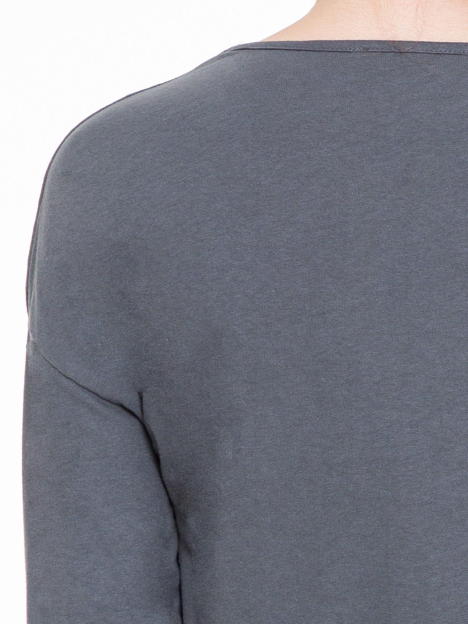 Ciemnoszara gładka bluzka z luźnymi rękawami 3/4                                  zdj.                                  7