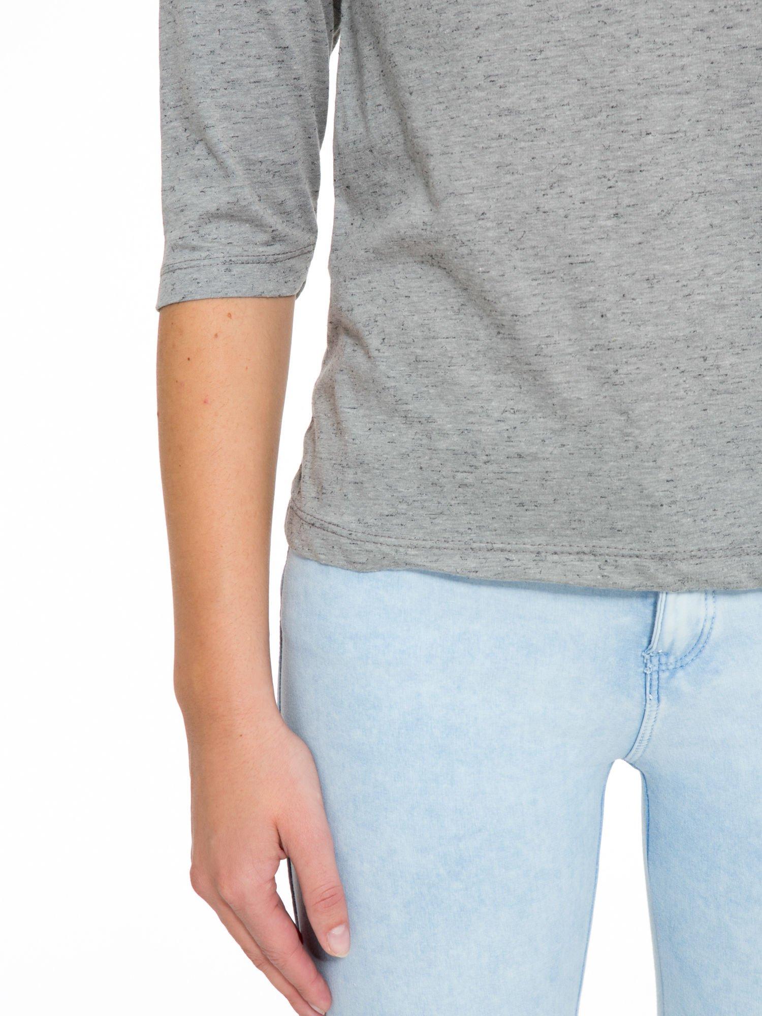 Ciemnoszara melanżowa bluzka z rękawami 3/4                                  zdj.                                  7
