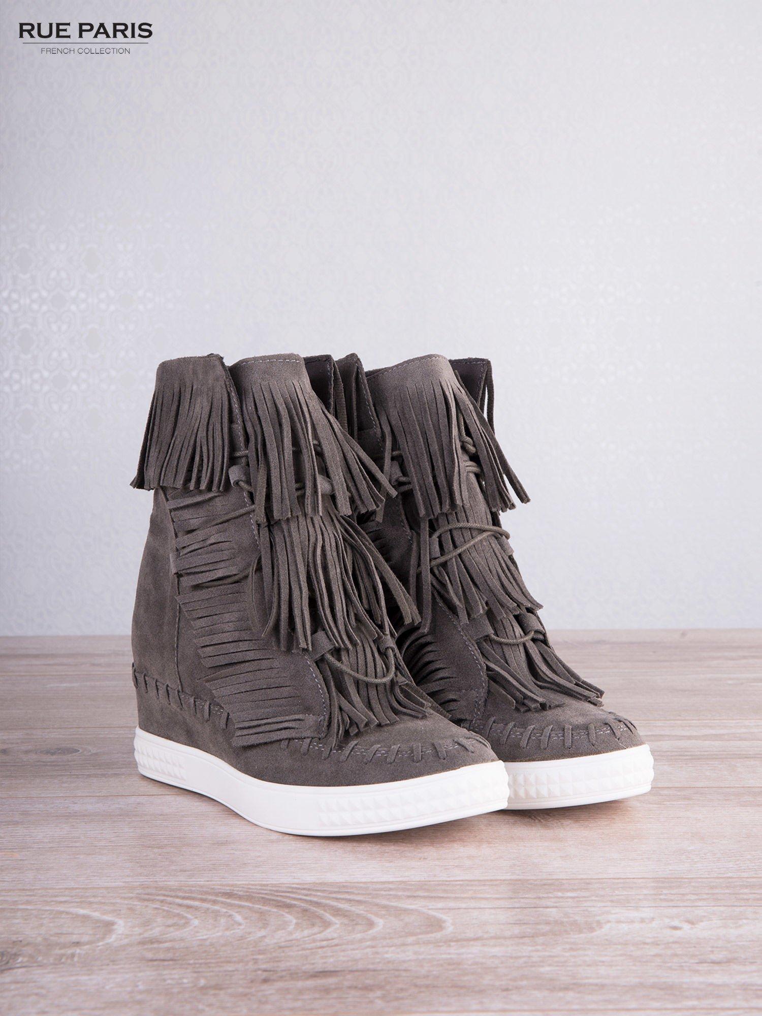 Ciemnoszare zamszowe sneakersy Aravia z frędzelkami na koturnach                                  zdj.                                  5