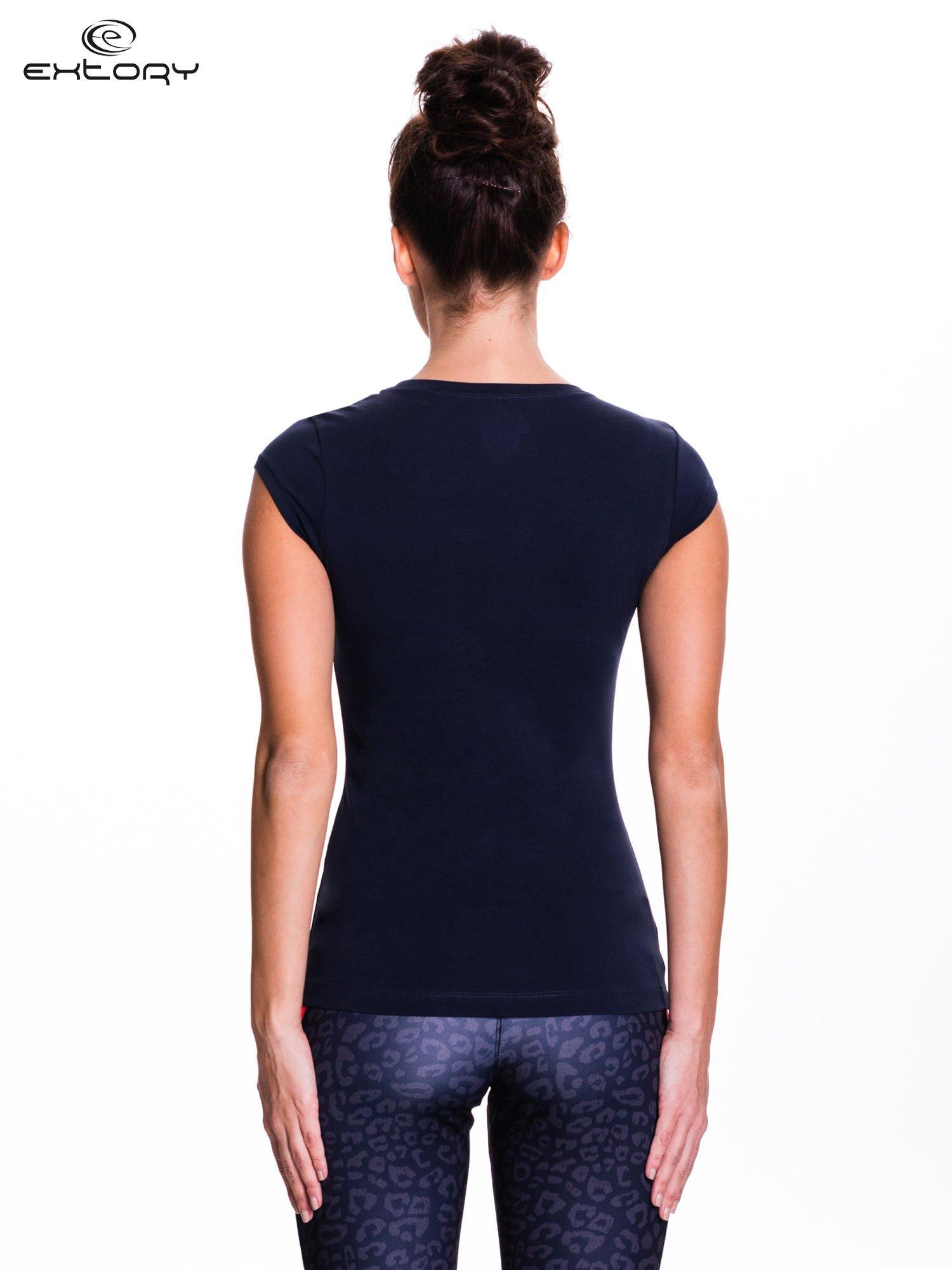 Ciemnoszary damski t-shirt sportowy basic                                  zdj.                                  4