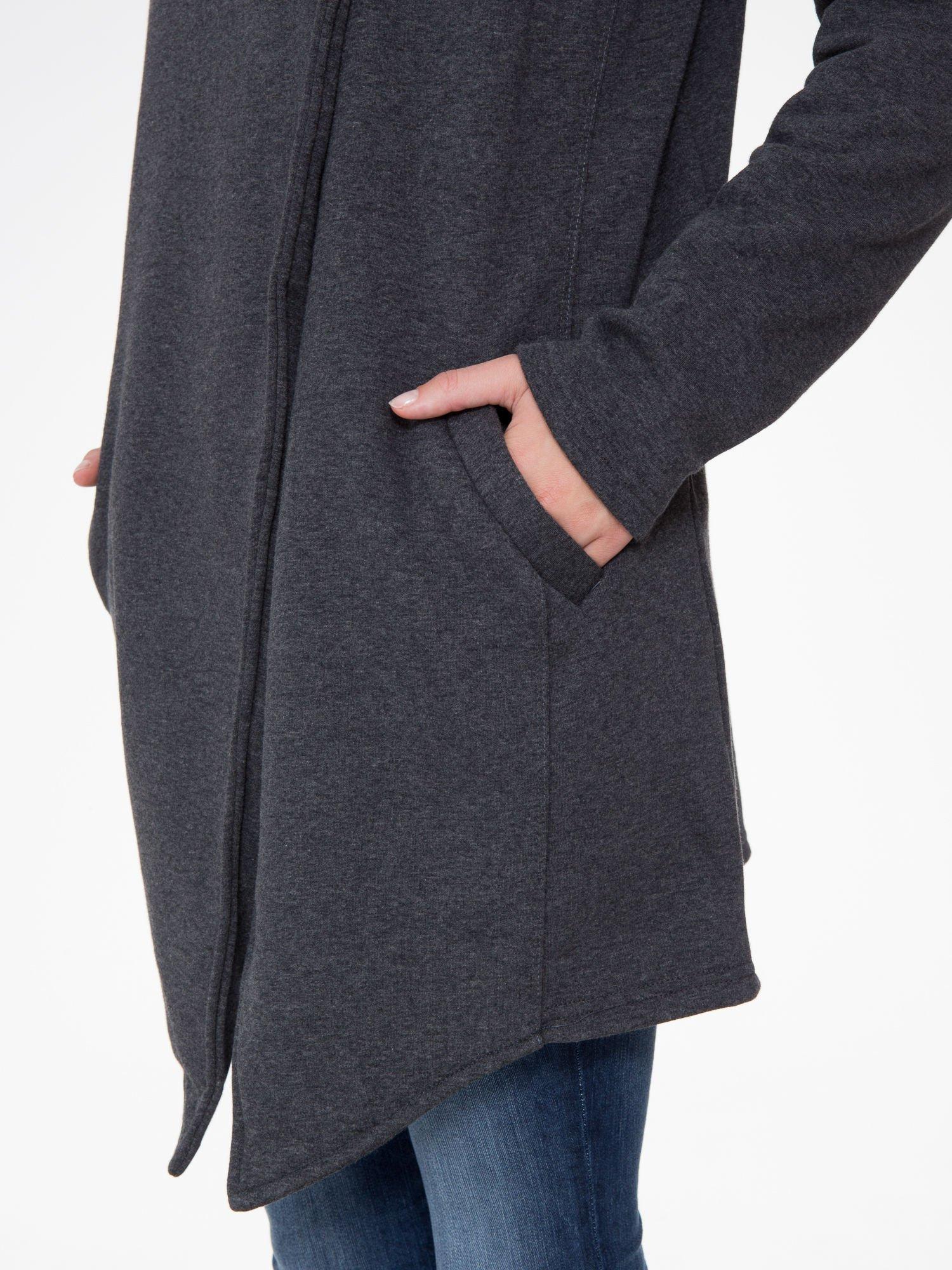 Ciemnoszary płaszcz dresowy z kapturem                                  zdj.                                  7