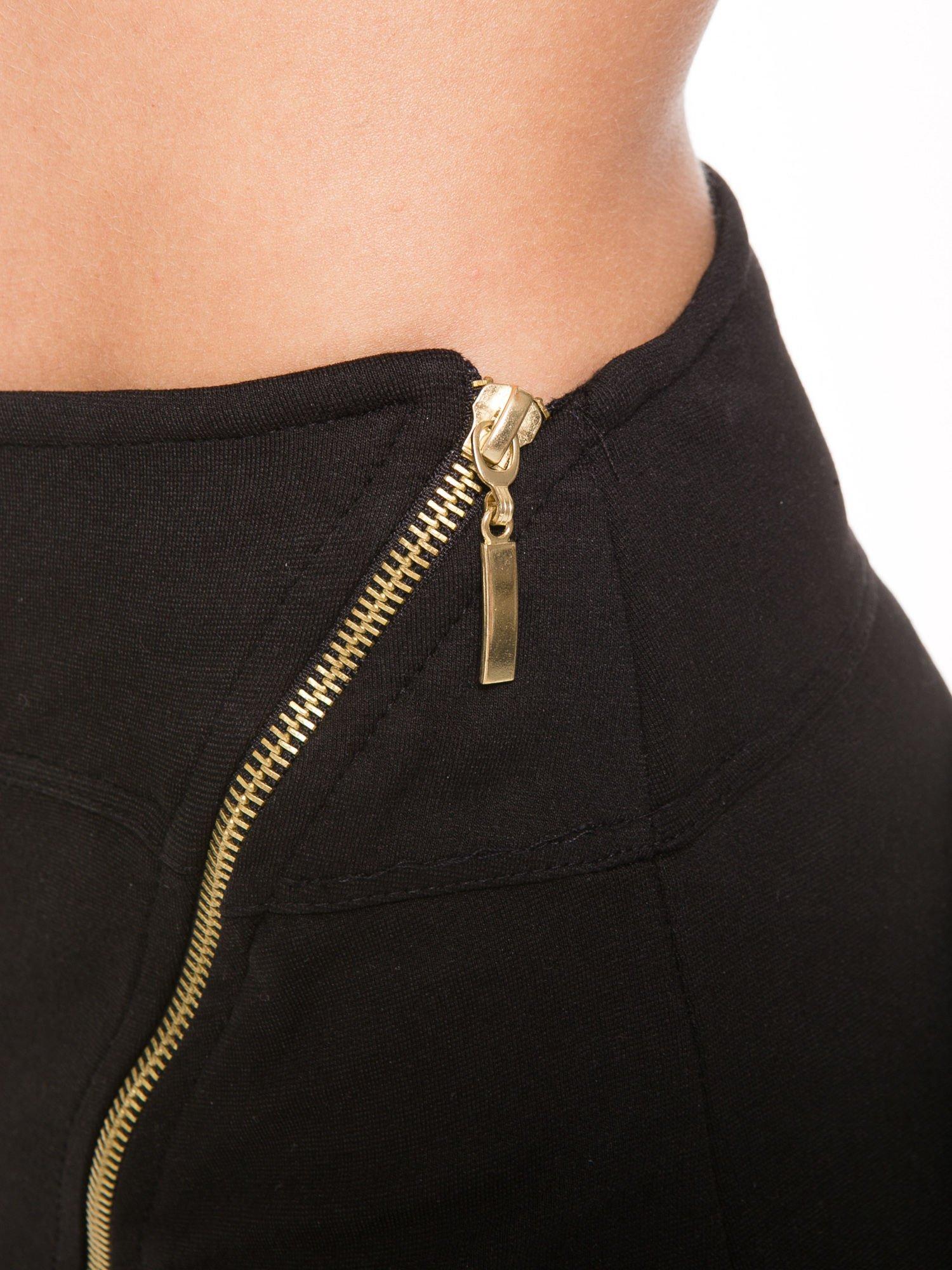Czarna asymetryczna spódnica ze złotym zamkiem                                  zdj.                                  8