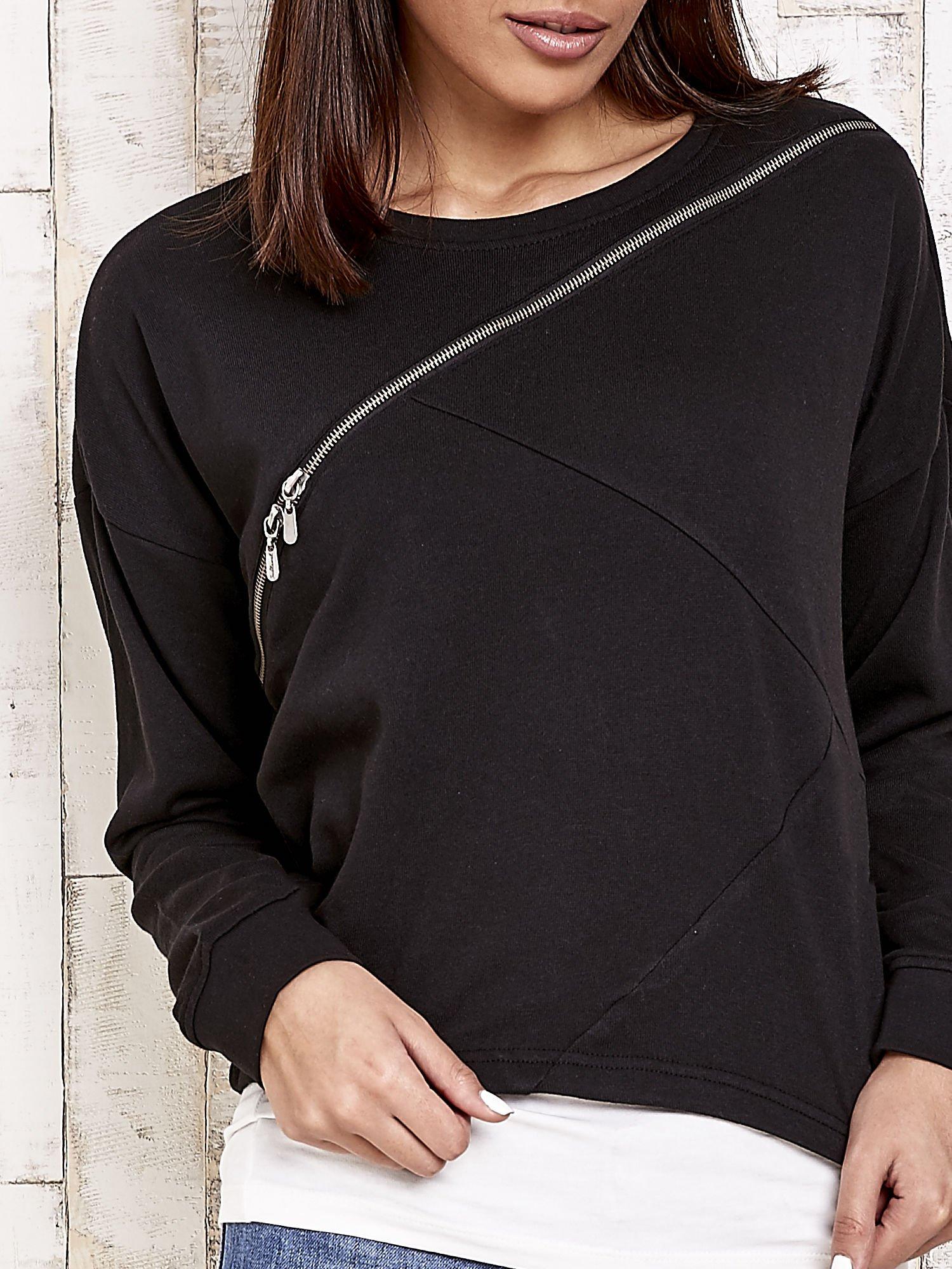 Czarna bluza dresowa z asymetrycznym suwakiem                                  zdj.                                  5