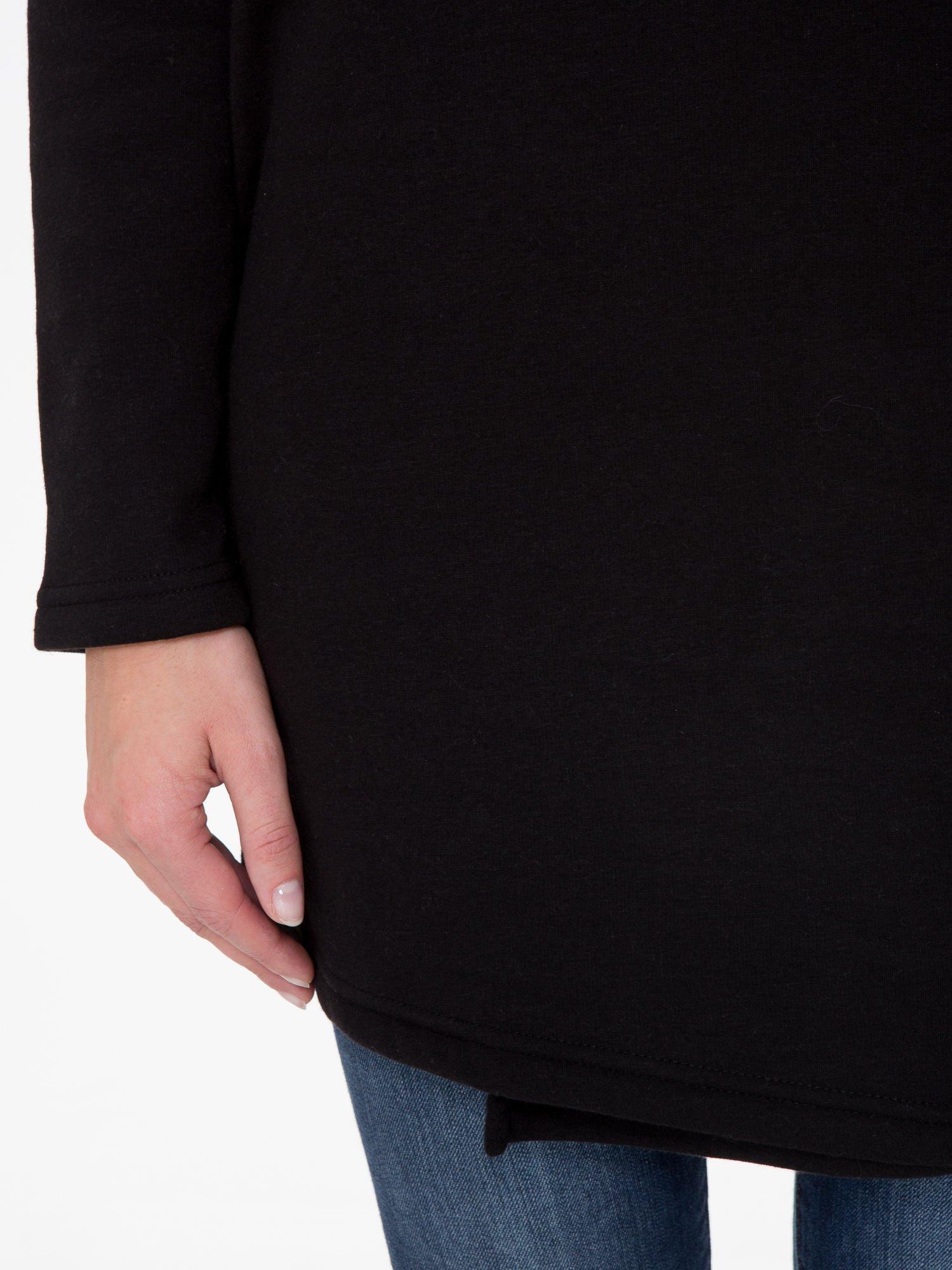 Czarna bluza dresowa z kapturem i suwakiem z boku                                  zdj.                                  9