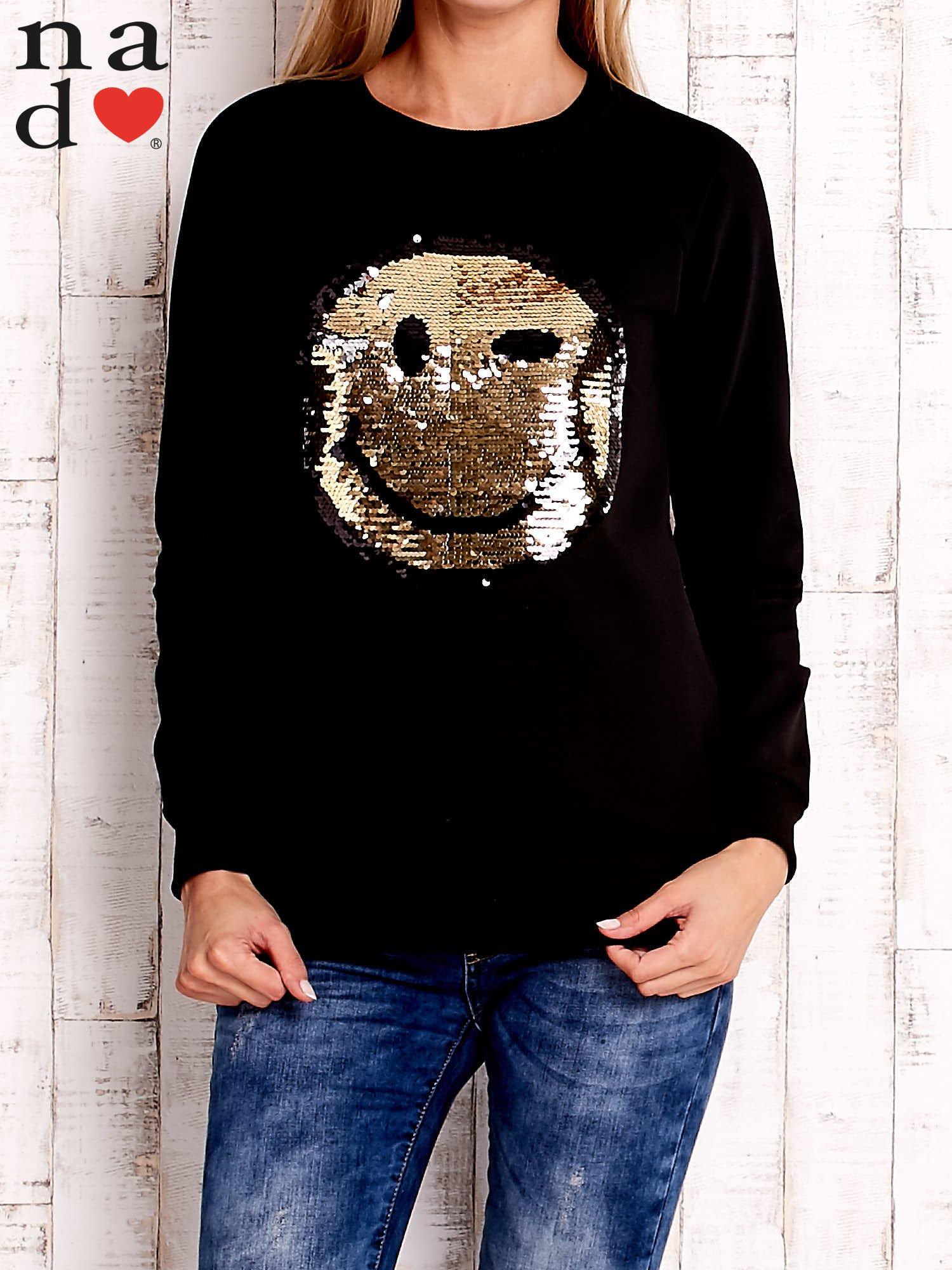 Czarna bluza z dwustronną naszywką z cekinów                                  zdj.                                  1