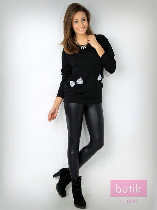 Czarna bluza z kieszonkami ozdobionymi kokardkami                                  zdj.                                  1