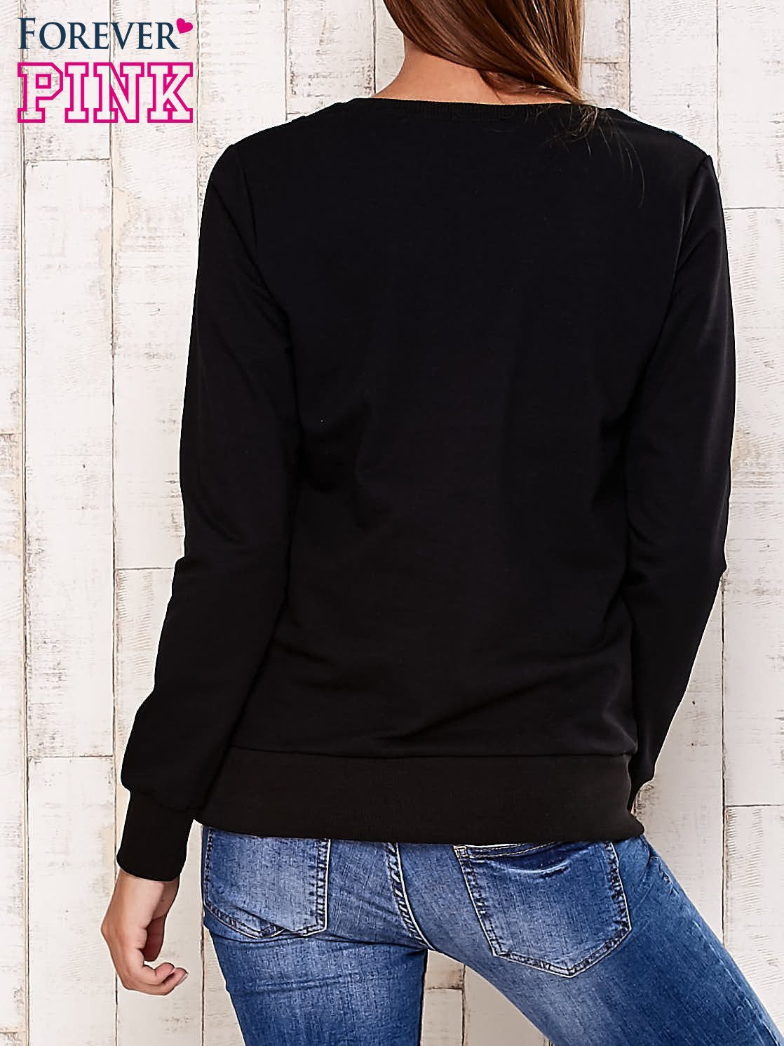 Czarna bluza z motywem serduszek                                  zdj.                                  4