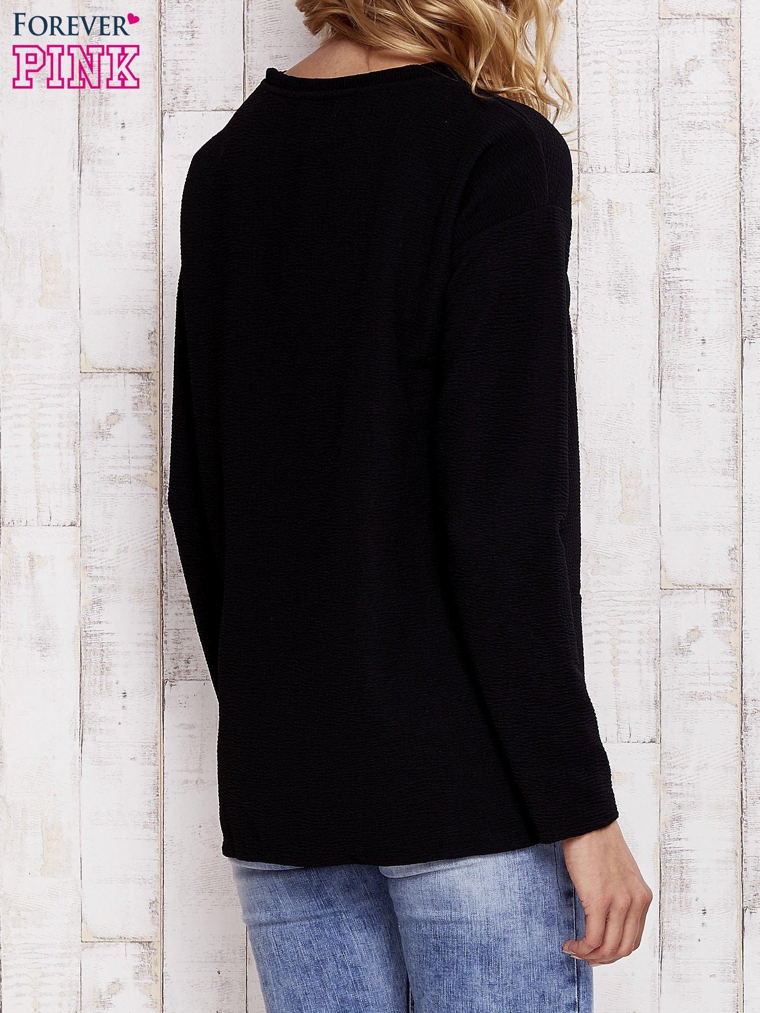 Czarna bluza z napisem NO HARD FEELINGS