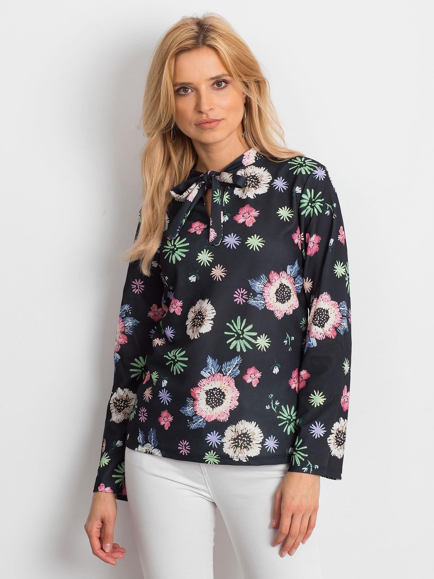 51b3d6e742 Czarna bluzka w kolorowe kwiaty z wiązaniem - Bluzka one size ...