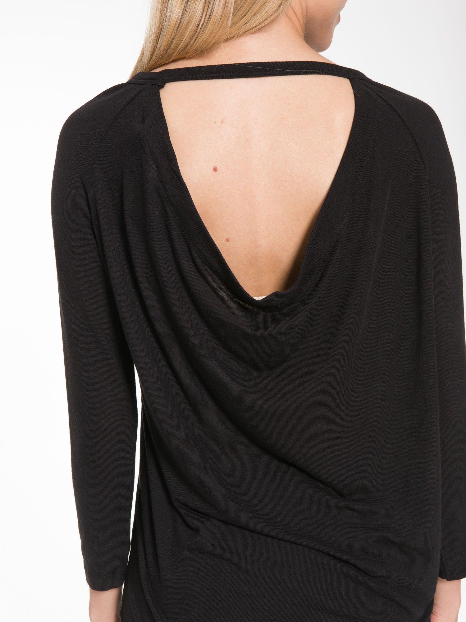 Czarna bluzka z dekoltem na plecach                                  zdj.                                  9