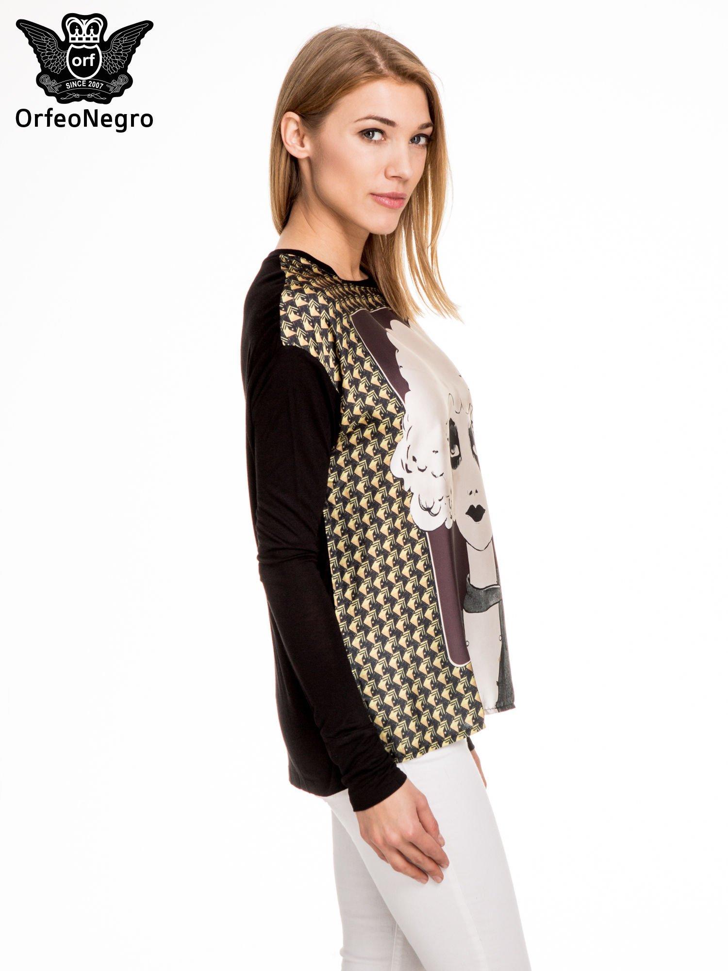 Czarna bluzka z grafiką kobiety                                  zdj.                                  3