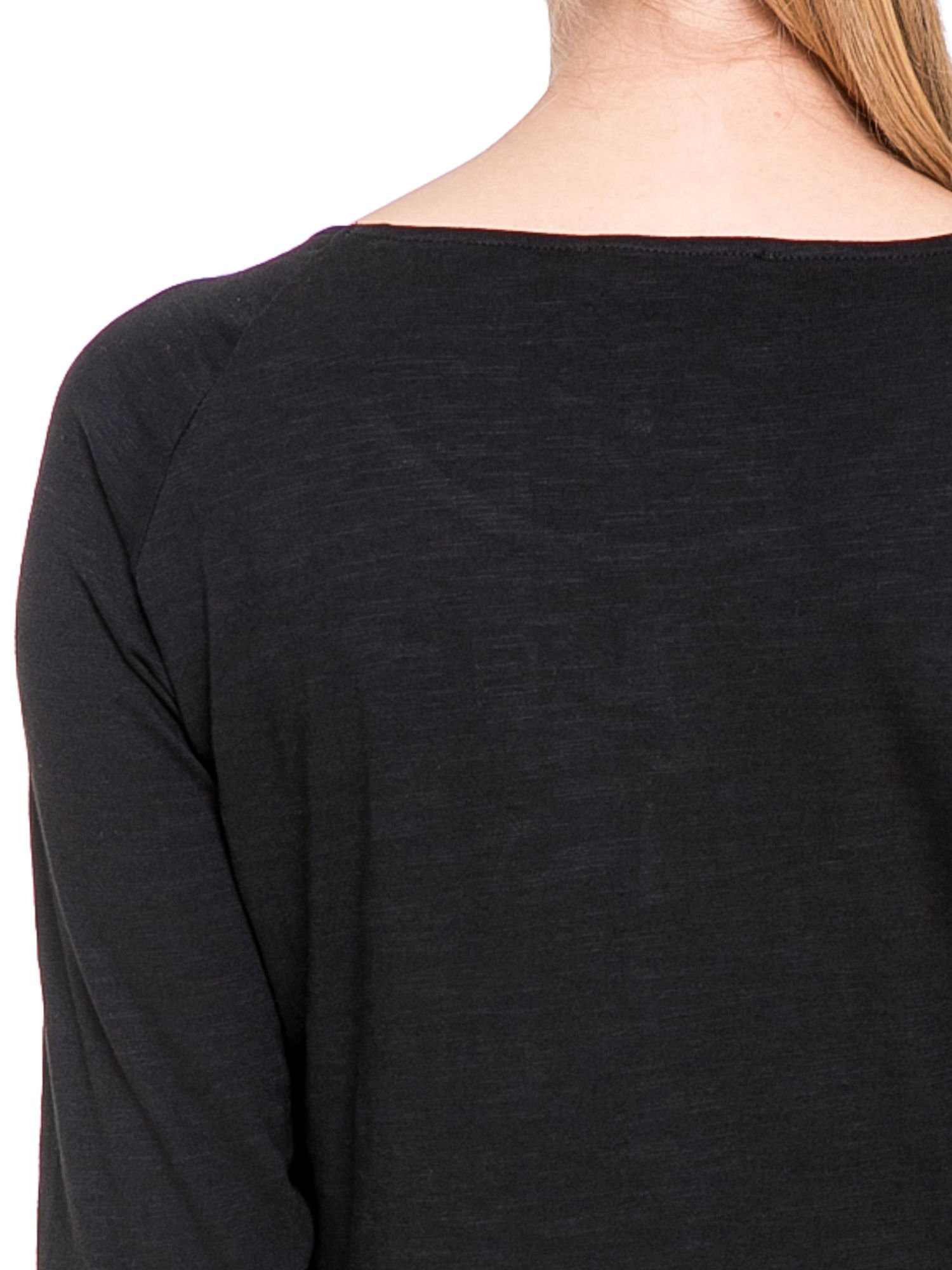 Czarna bluzka z koronkowym przodem                                  zdj.                                  6