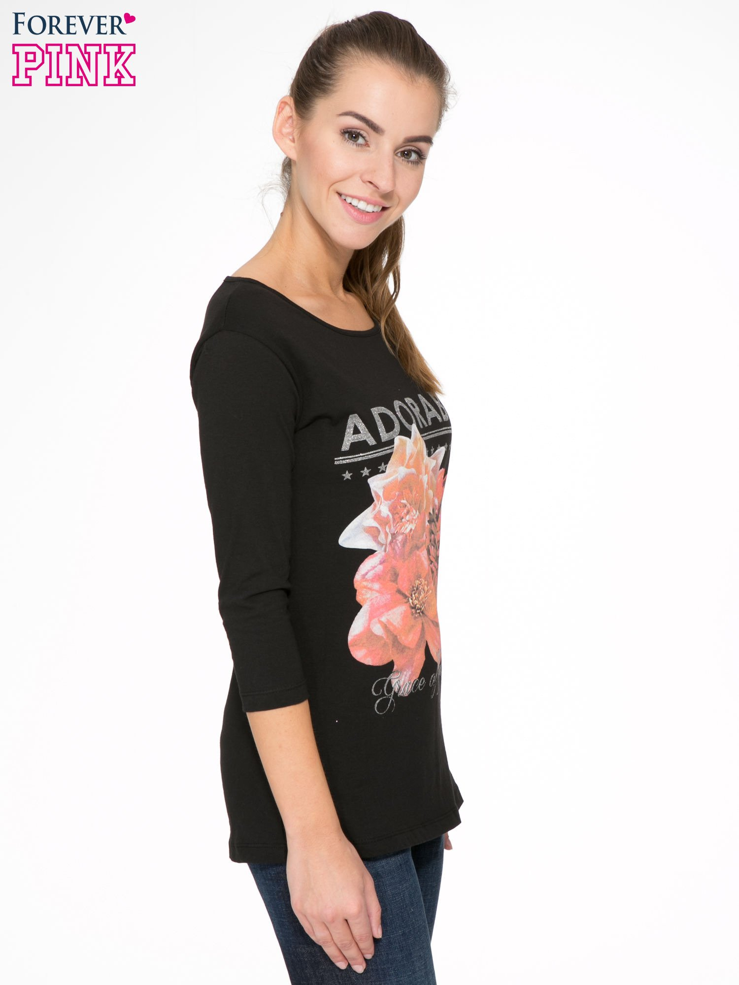 Czarna bluzka z motywem kwiatowym i napisem ADORABLE                                  zdj.                                  3