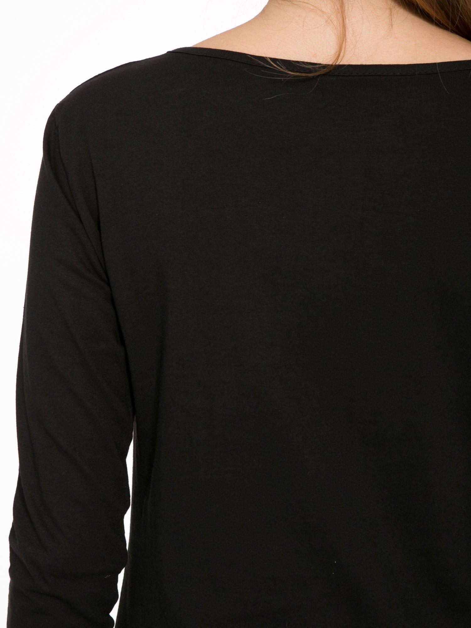 Czarna bluzka z napisem CRAZY i nadrukiem fashionistek                                  zdj.                                  6