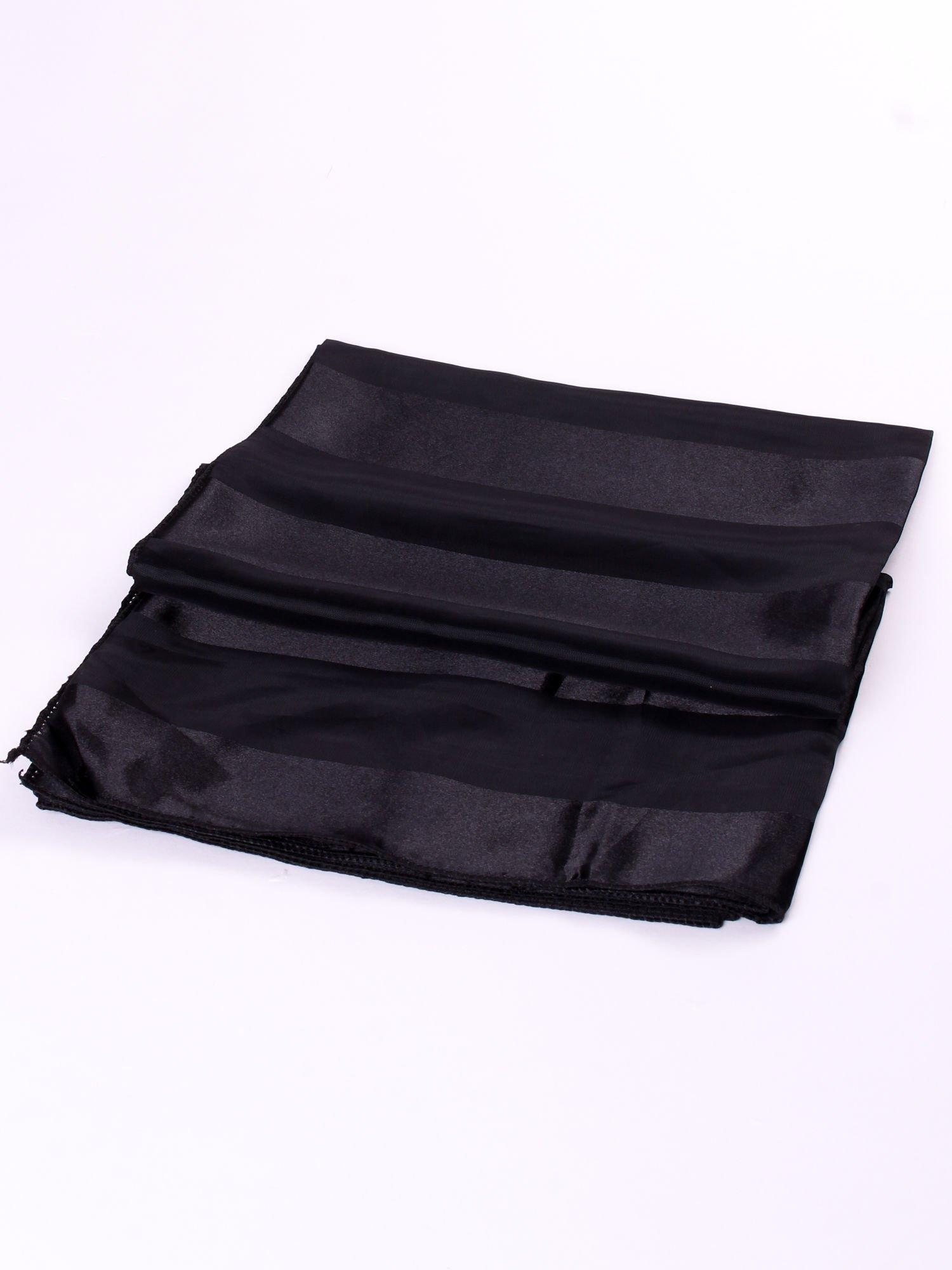 Czarna chusta apaszka w pasy                                  zdj.                                  3