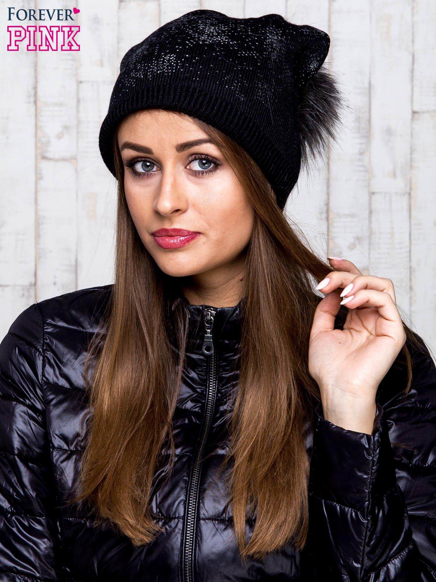 Czarna czapka glitter z pomponem                                  zdj.                                  1