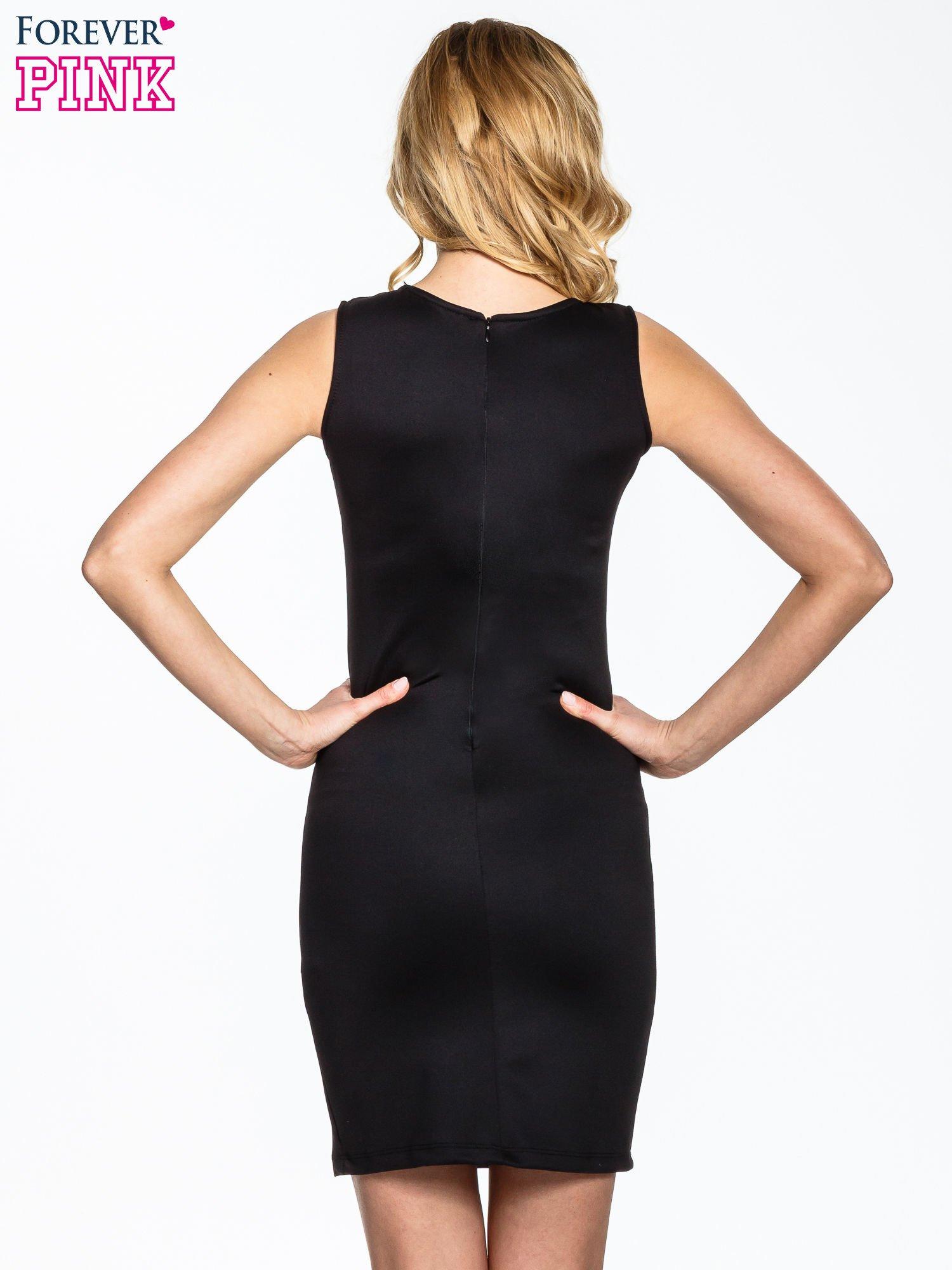 Czarna dopasowana sukienka z wzorem gwiazd                                  zdj.                                  2